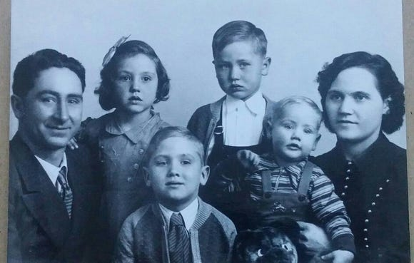 Gillam family (left to right): Earl, Alice, Bruce, Delbert, George, Velma.