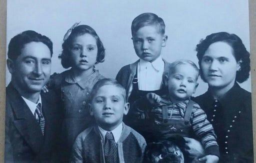 Gillam family (left to right): Earl, Alice, Bruce, Delbert, George, Velma.