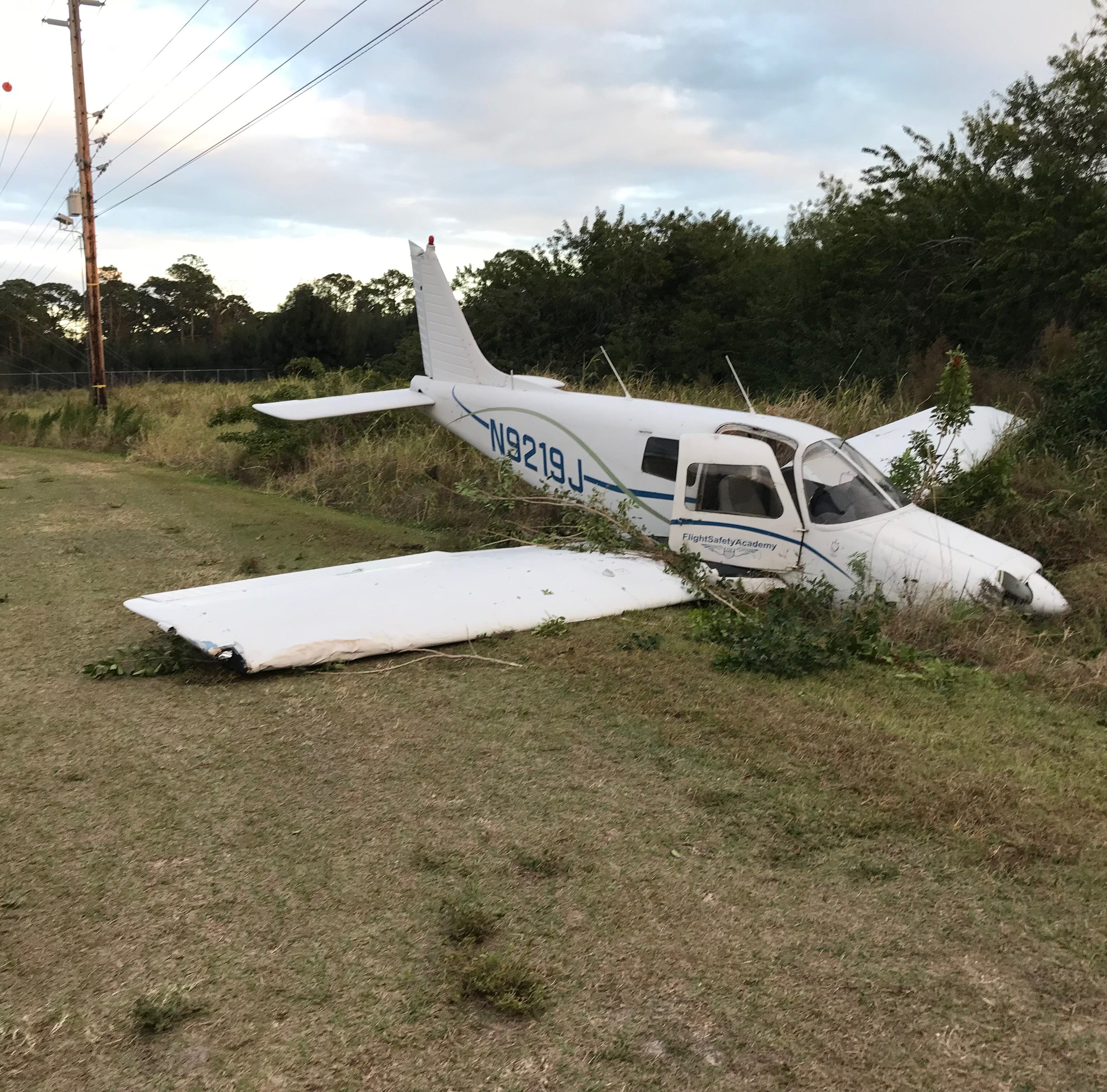 Small plane crashes near Indian River County Jail