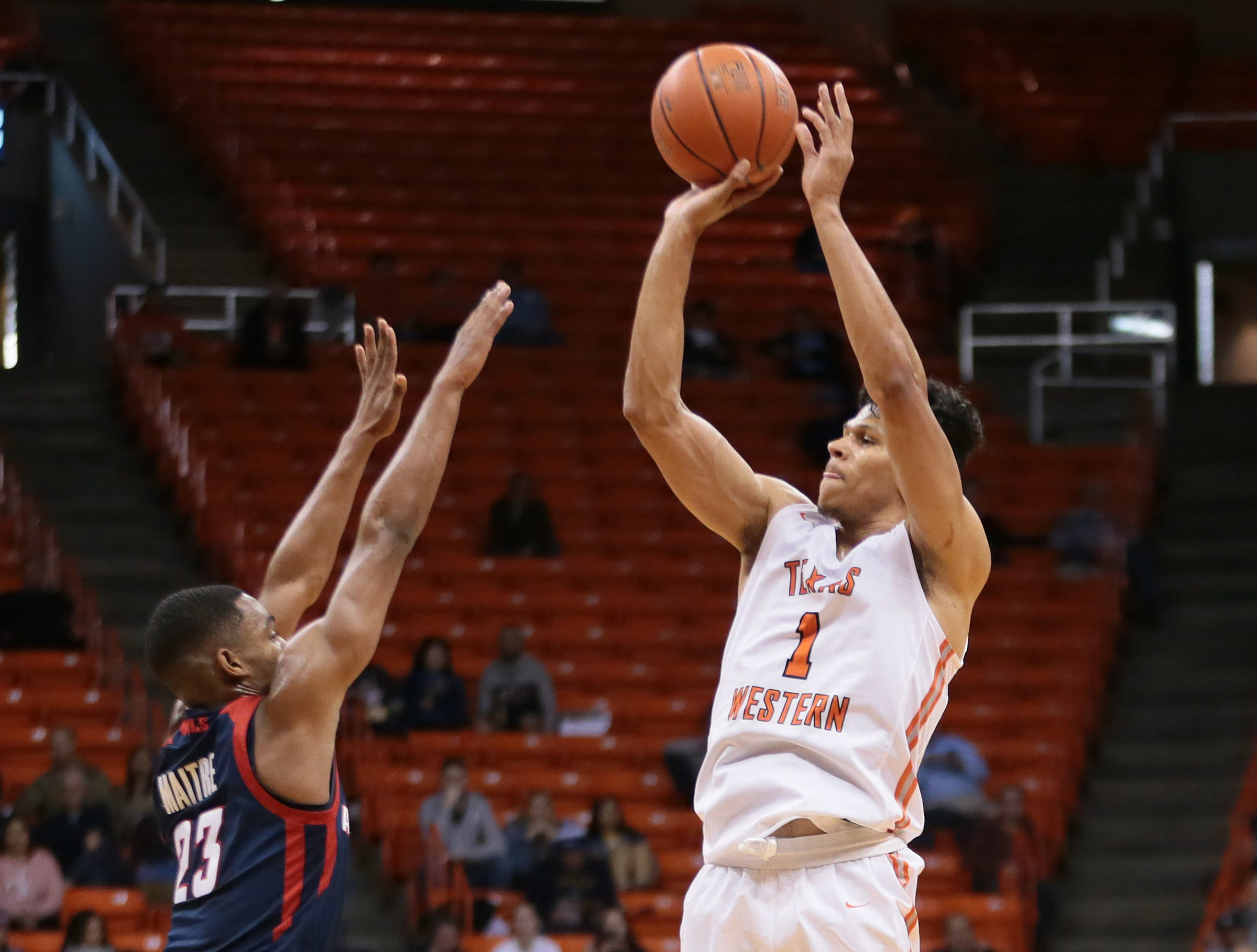 UTEP dropped one Thursday night to Florida Atlantic 61-48 at the Don Haskins Center.