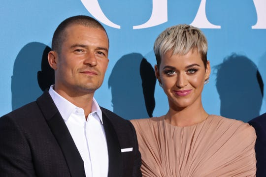 Just a couple of cohabitants, Orlando Bloom and Katy Perry.