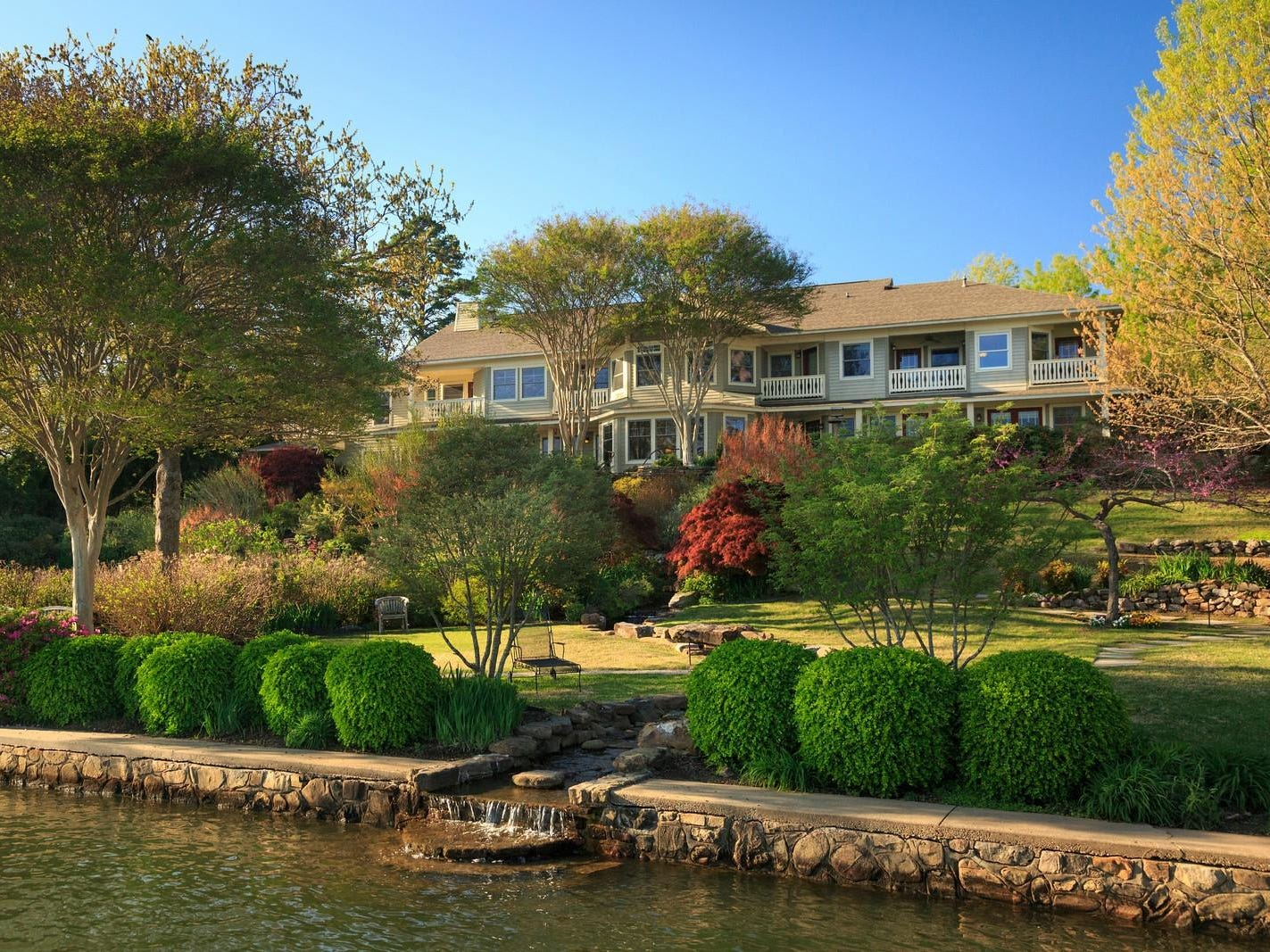 No. 6: Lookout Point Lakeside Inn in Hot Springs, Arkansas.