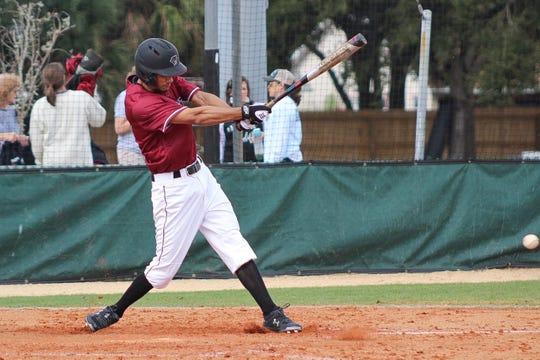 Florida Tech baseball team split a pair of games.