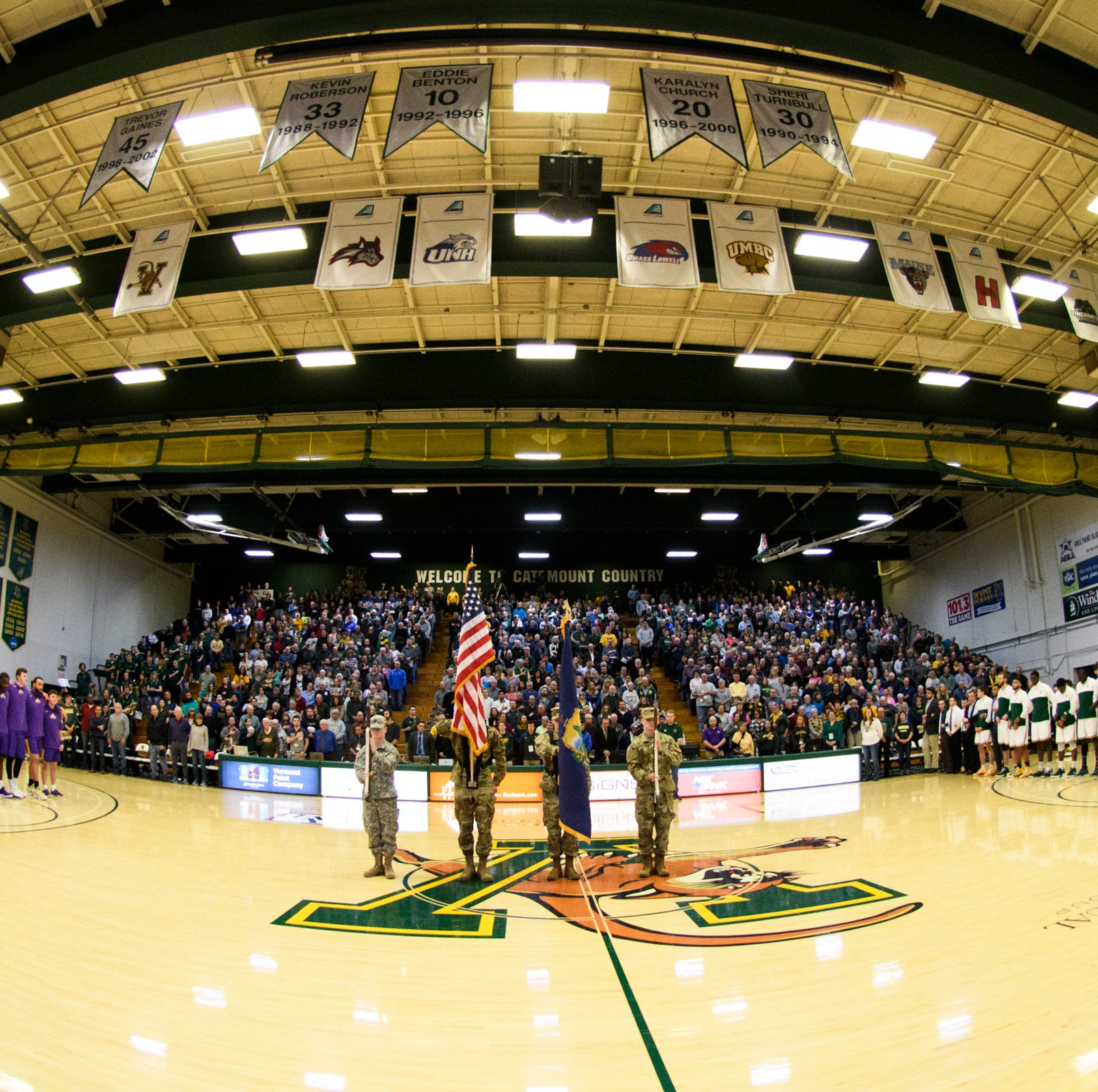 UVM men's basketball blasts UNH to reach 20 wins for 11th year in a row