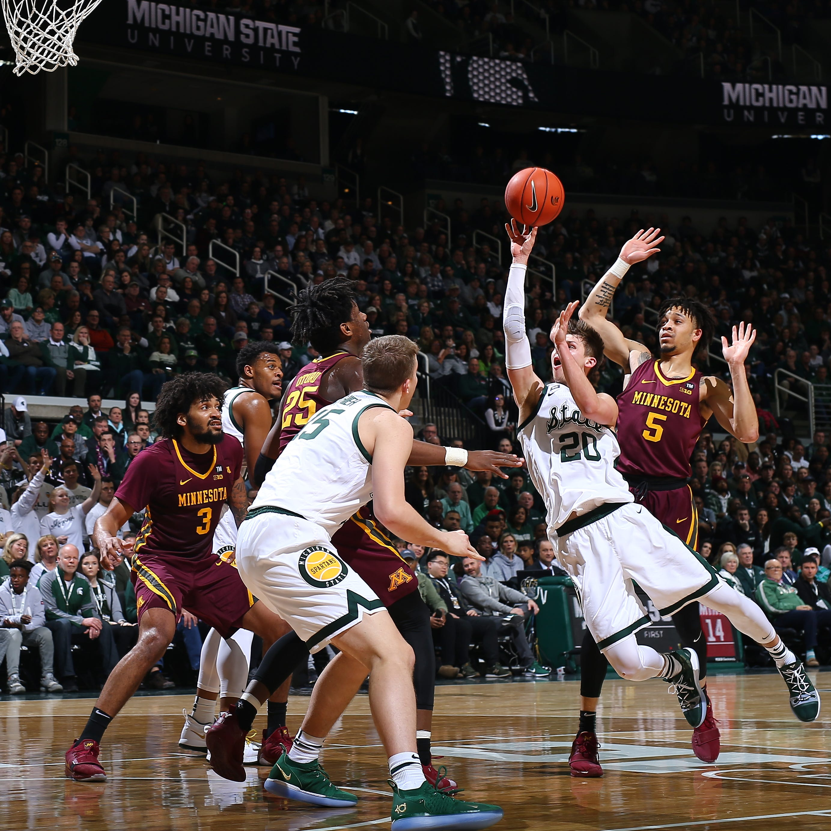 """Michigan State discovered a secret army Matt McQuaid - his dad """"class ="""" more-section-stories-thumb"""