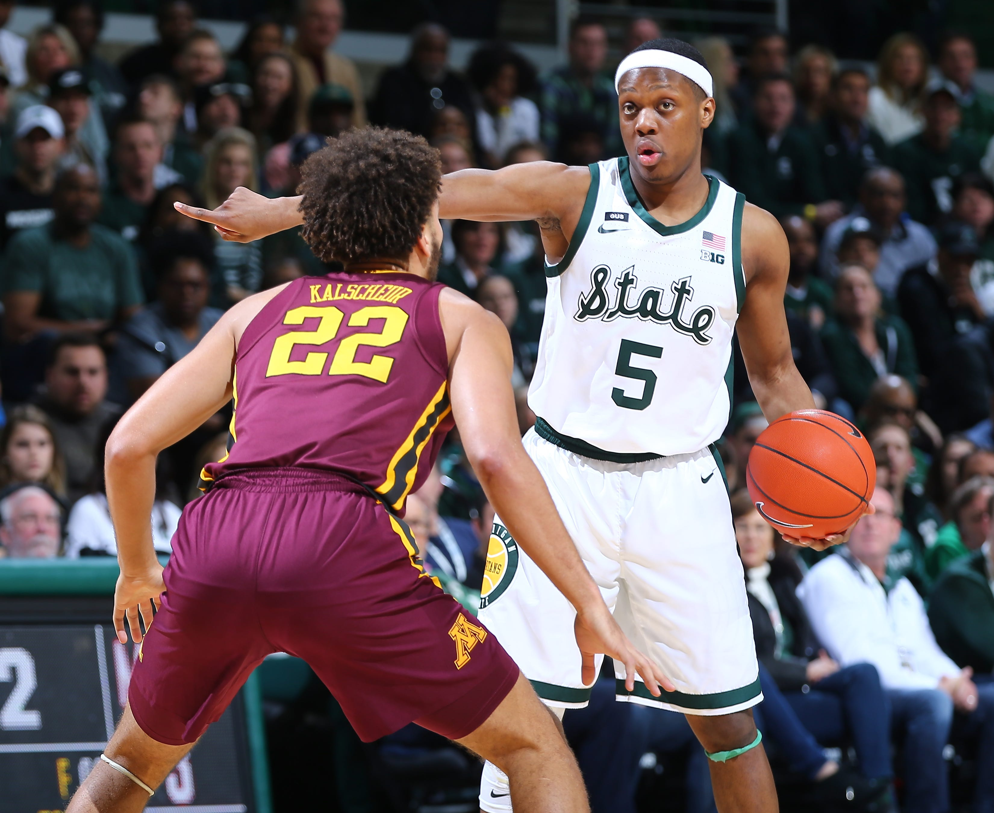 Cassius Winston is among the favorites for Big Ten player of the year. He and the Spartans are still within striking distance of a No. 1 seed in the NCAA tournament.