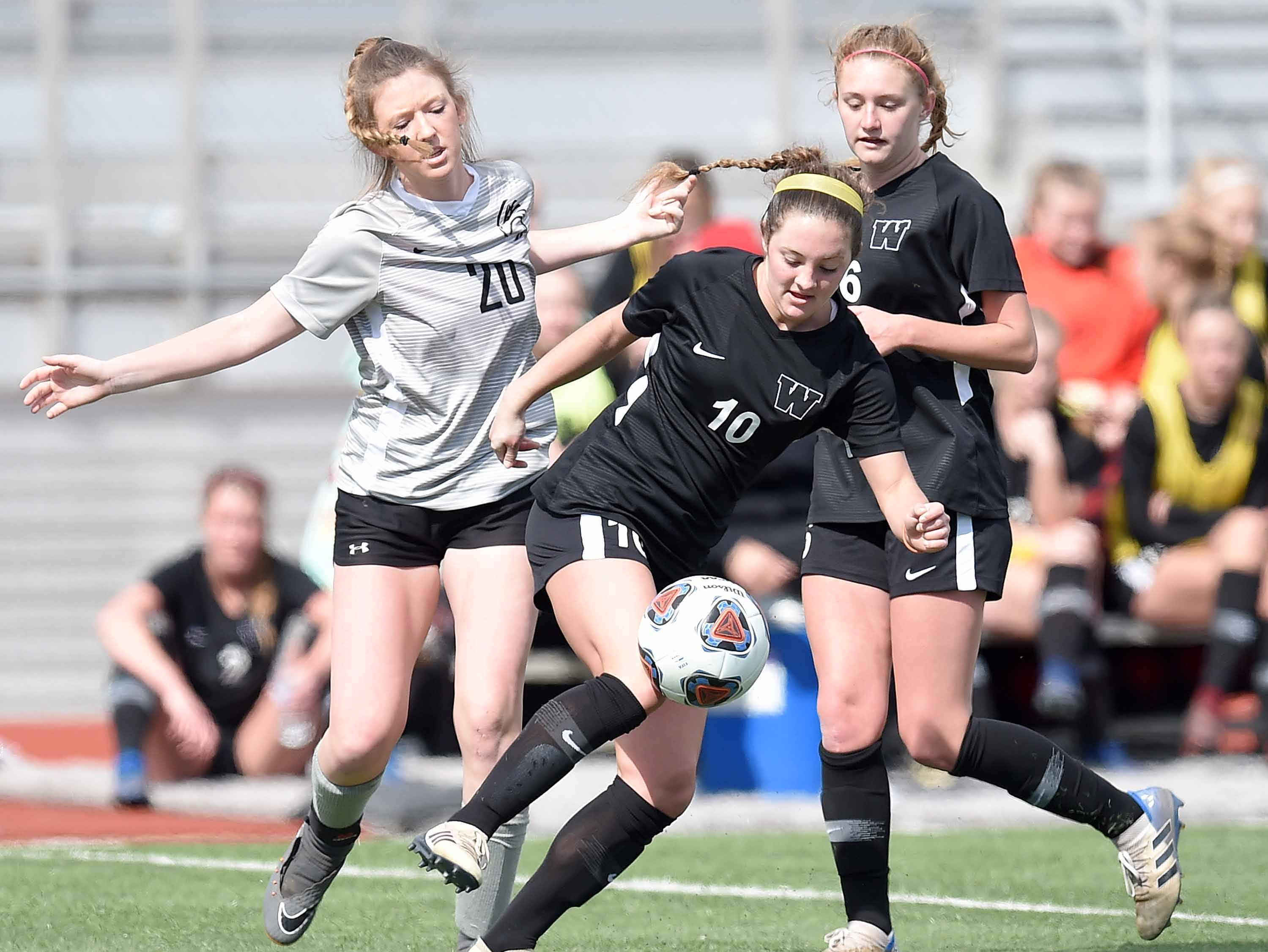 West Lauderdale's Caroline Green (10) wins a ball at midfield against Florence in the Class 4A state championship in the MHSAA BlueCross Blue Shield of Mississippi Soccer Classic on Saturday, February 9, 2019, at Ridgeland High School in Ridgeland, Miss.