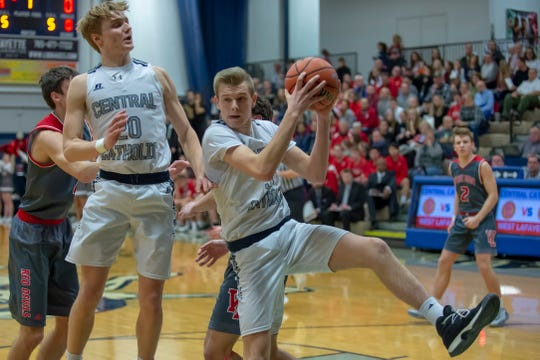 Carson Barrett had 15 points and 14 rebounds in Wednesday's win over Twin Lakes.