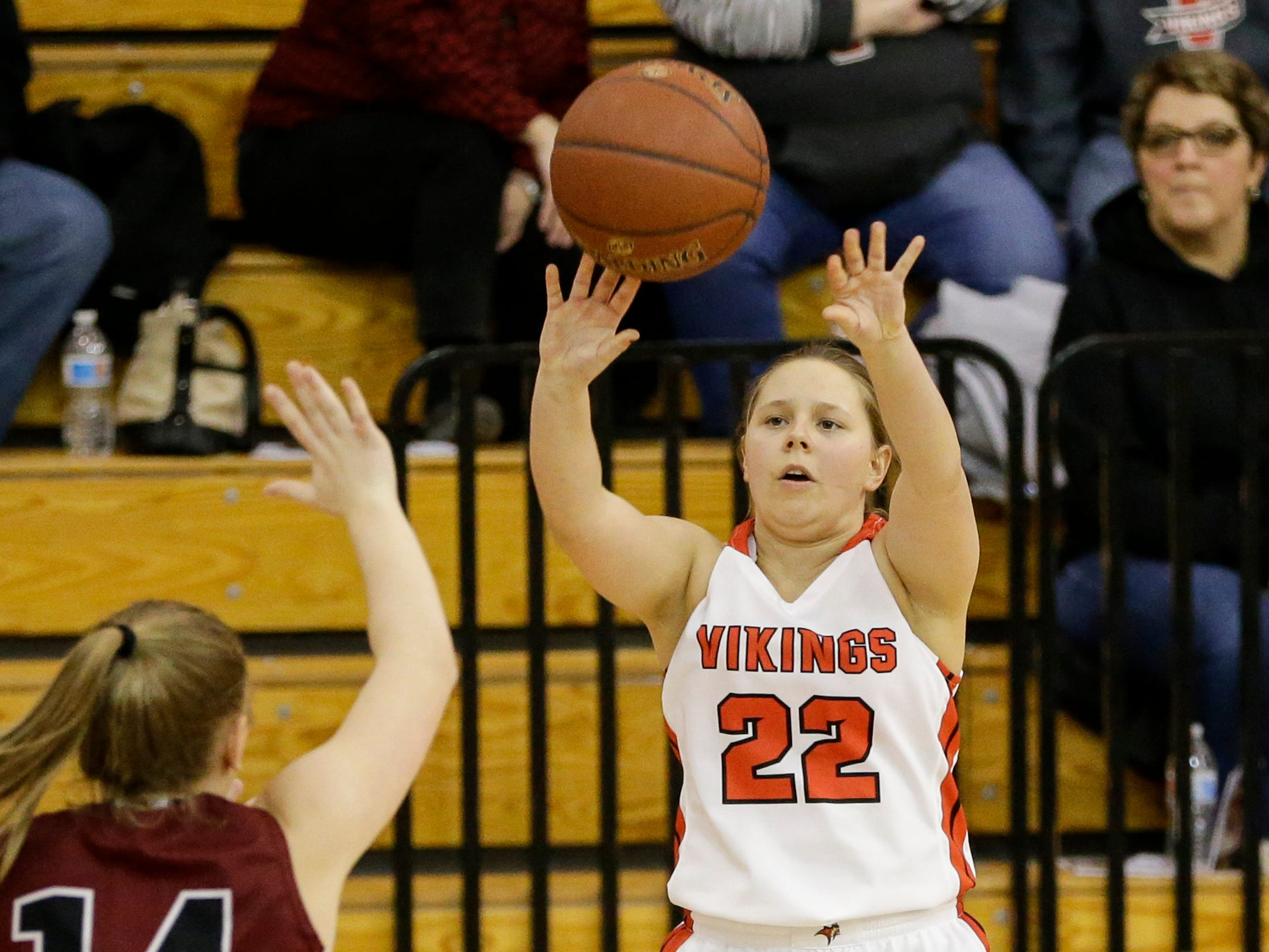 Valders' Lindsey Brunmeier (22) shoots against New Holstein at Valders High School Friday, February 8, 2019, in Valders, Wis. Joshua Clark/USA TODAY NETWORK-Wisconsin