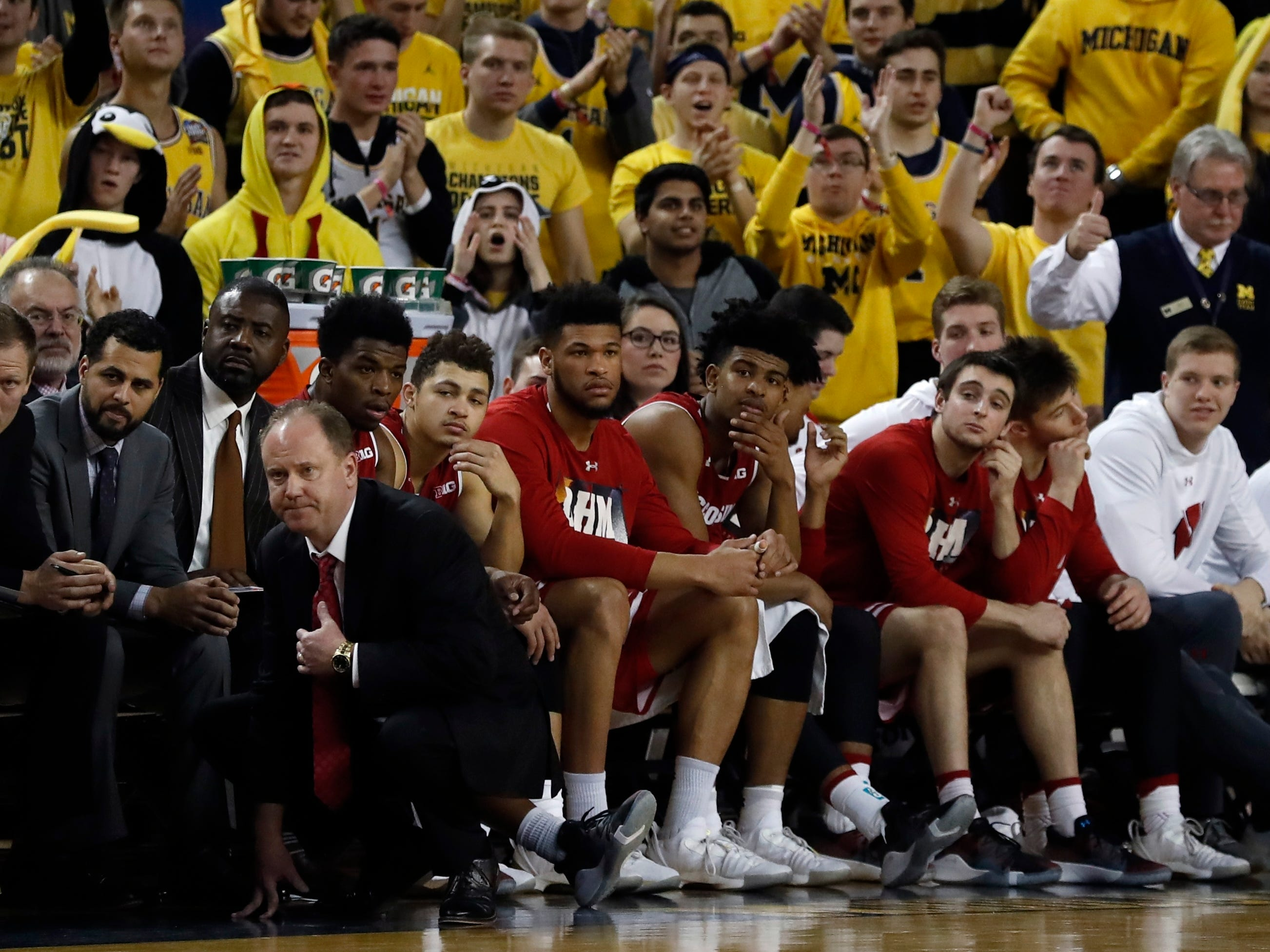 The Wisconsin bench watches during the closing seconds of the second half on Saturday.