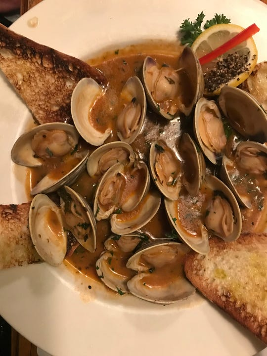 Little Neck Clams at The Quiet Man in Dover.