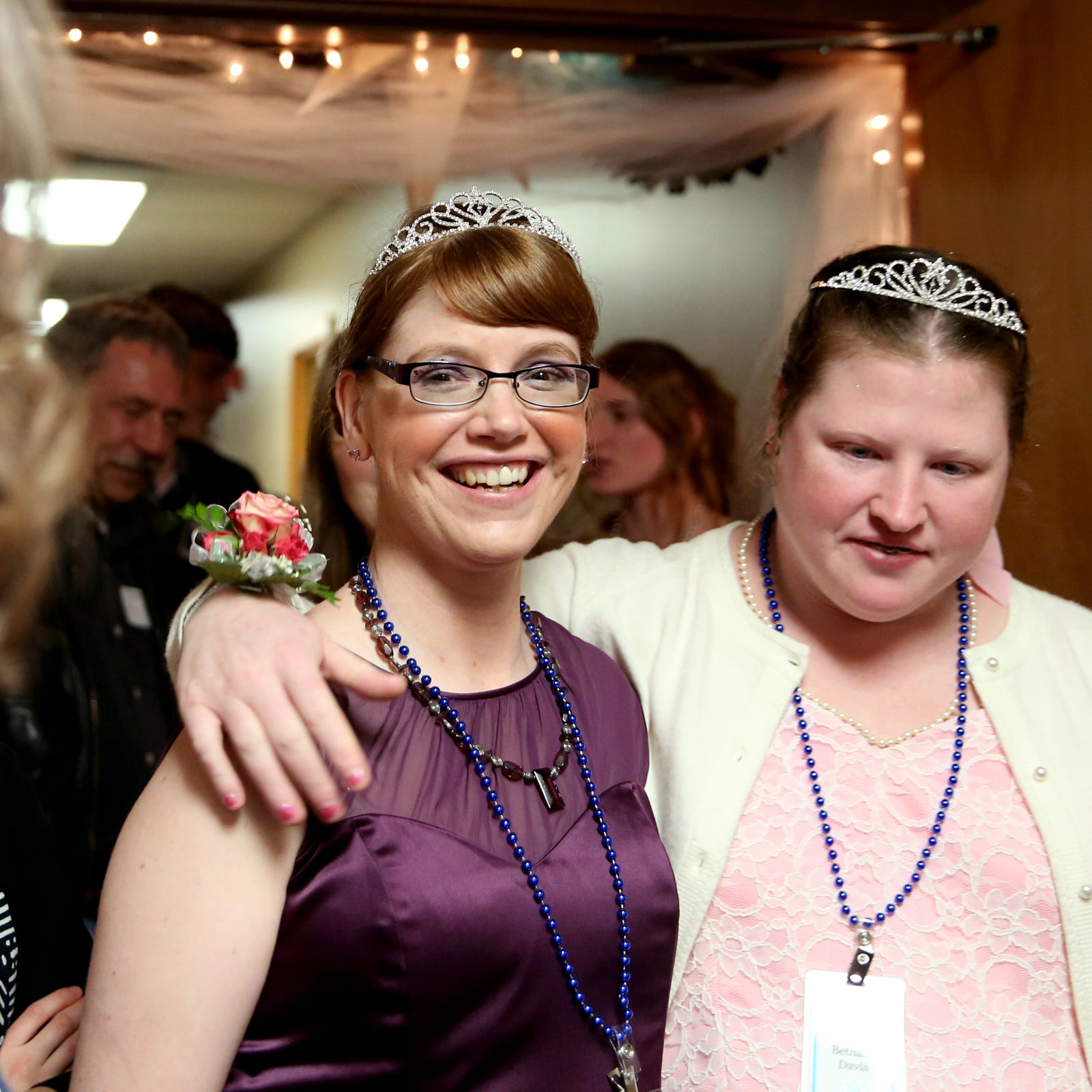 Night to Shine in Salem crowns roughly 300 people prom kings, queens