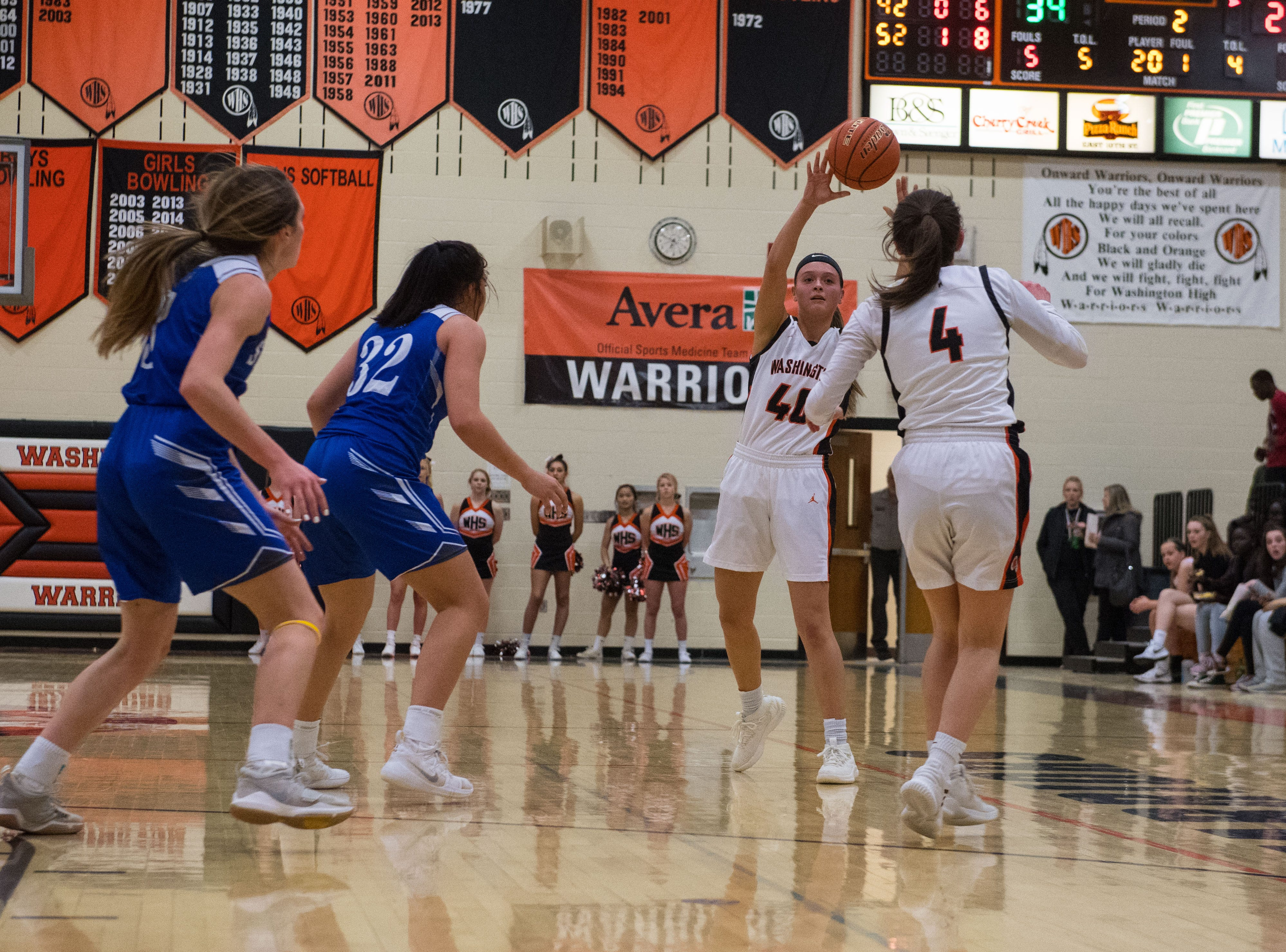 Washington's Gabb Reck (44) throws the ball during a game against Rapid City Stevens in Sioux Falls, S.D., Friday, Feb. 8, 2019.