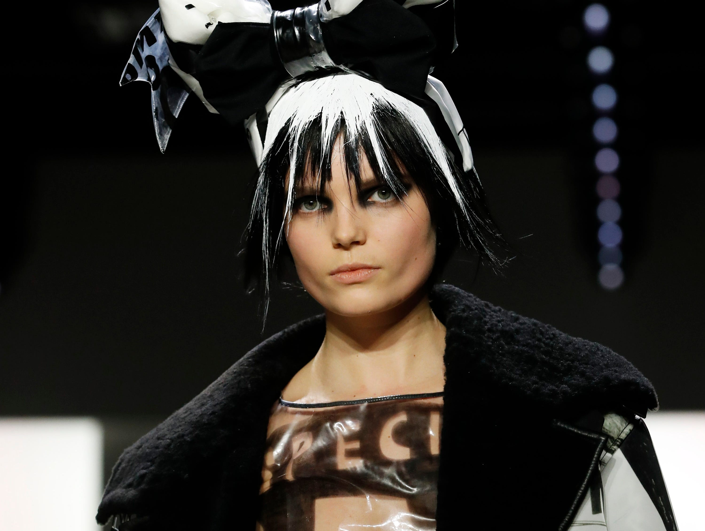 epa07354235 A model walks down the runway to present a creation by Jeremy Scott during New York Fashion Week in New York, New York, USA, 08 February 2019. New York Fashion Week for designer's autumn and winter lines is being held from 06 to 13 February 2019.  EPA-EFE/JASON SZENES ORG XMIT: JSX16