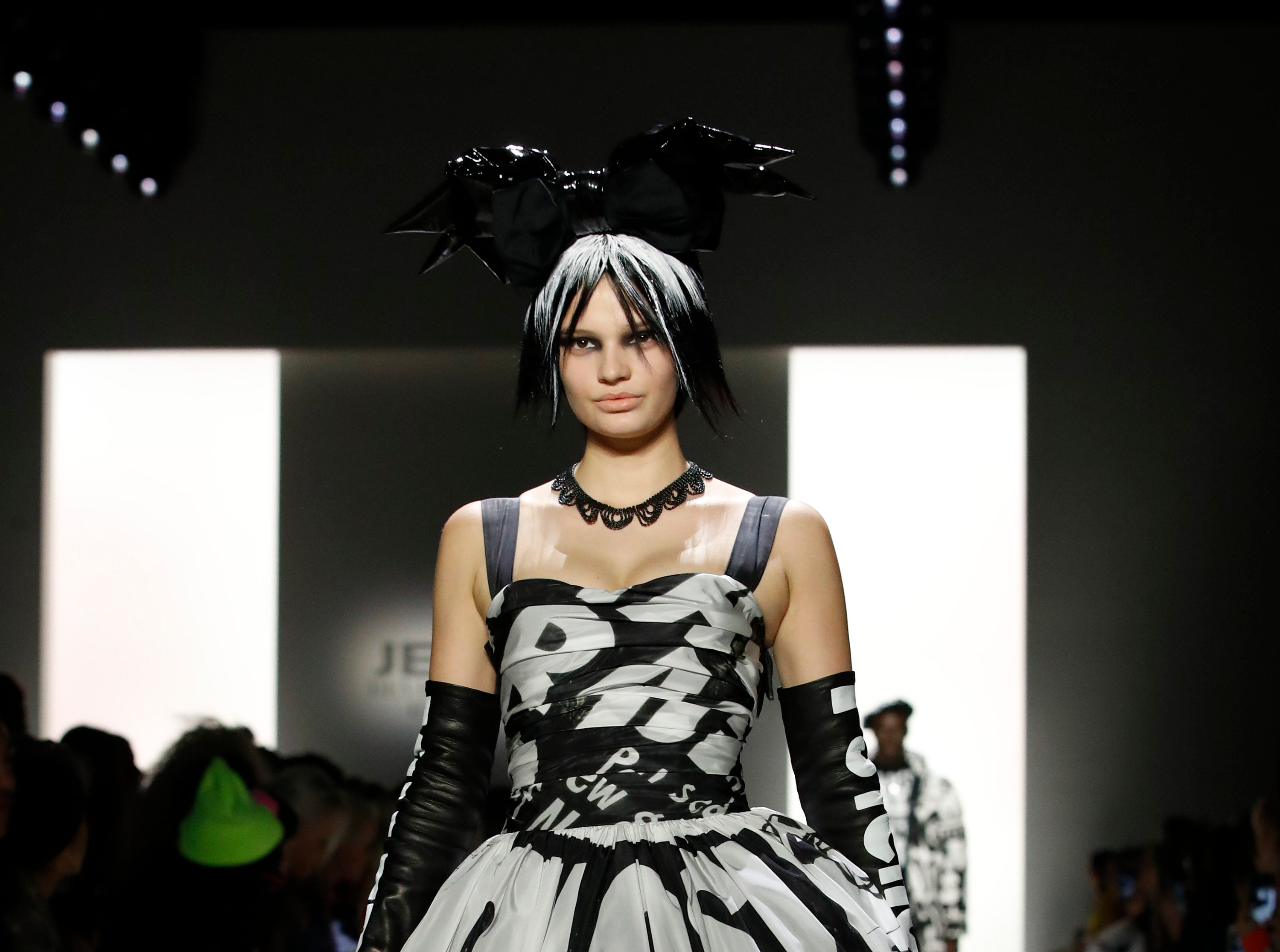 epa07354241 A model walks down the runway to present a creation by Jeremy Scott during New York Fashion Week in New York, New York, USA, 08 February 2019. New York Fashion Week for designer's autumn and winter lines is being held from 06 to 13 February 2019.  EPA-EFE/JASON SZENES ORG XMIT: JSX09