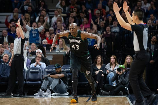Timberwolves forward Anthony Tolliver celebrates a play against the Magic last season.