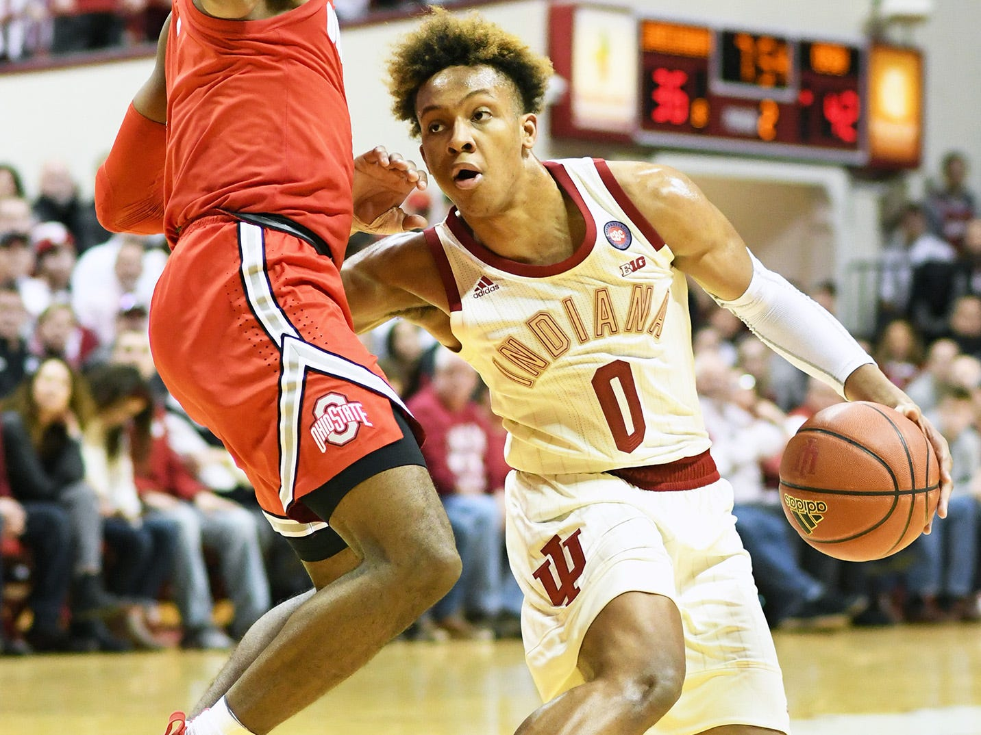 Indiana Hoosiers guard Romeo Langford (0) dribbles the ball during the game against Ohio State at Simon Skjodt Assembly Hall in Bloomington Ind., on Sunday, Feb. 10, 2019.