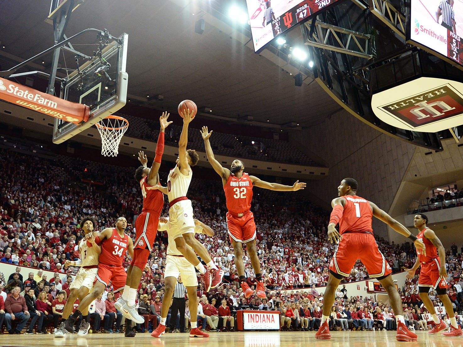 Indiana Hoosiers guard Rob Phinisee (10) attempts a shot during the game against Ohio State at Simon Skjodt Assembly Hall in Bloomington Ind., on Sunday, Feb. 10, 2019.