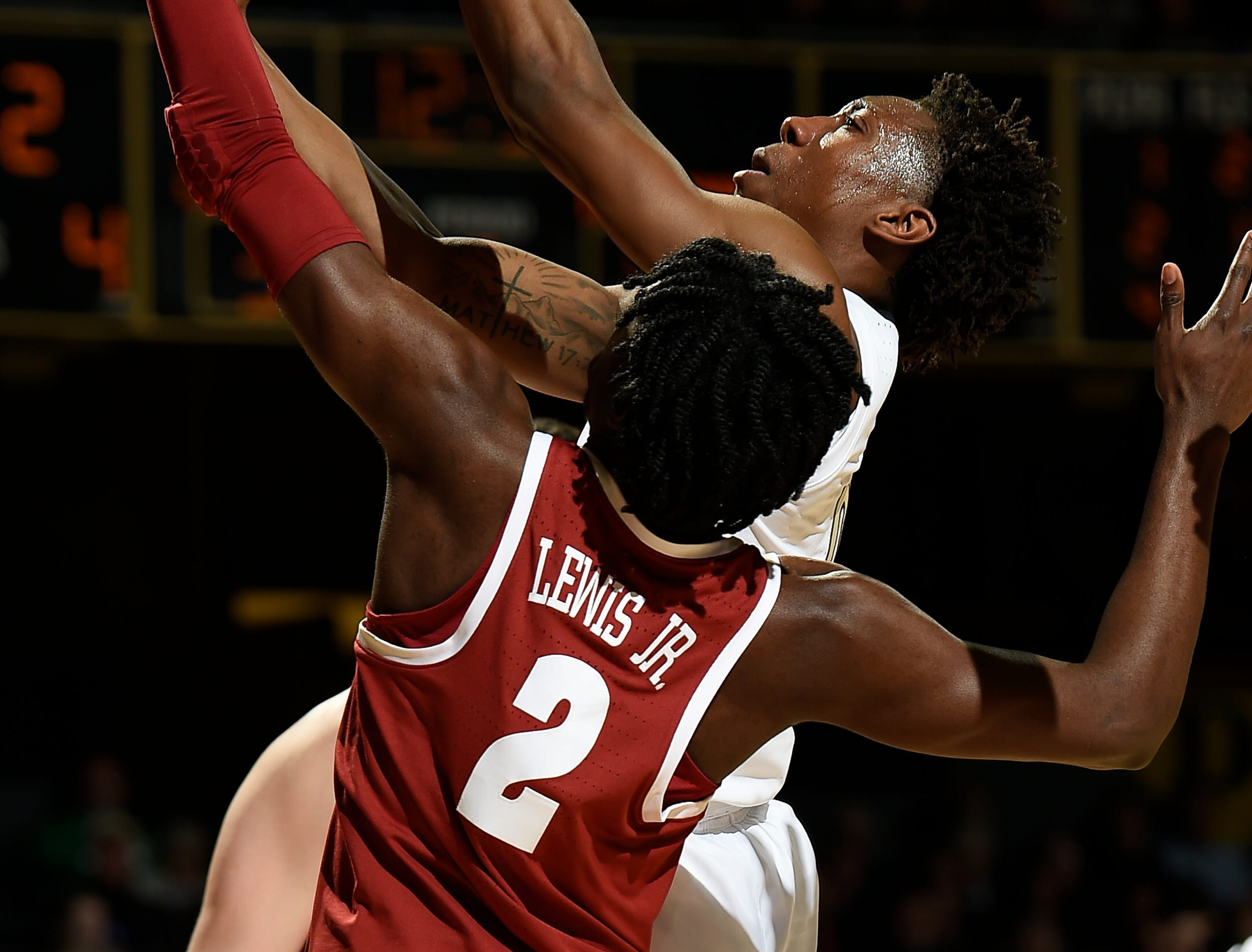 Vanderbilt guard Saben Lee (0) shoots over Alabama guard Kira Lewis Jr. (2) during the second half at Memorial Gym Saturday Feb. 9, 2019 in Nashville, Tenn.