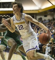 Eli Pepper had 27 points and 14 rebounds in Lipscomb's 86-77 win Saturday over Jacksonville at Allen Arena.