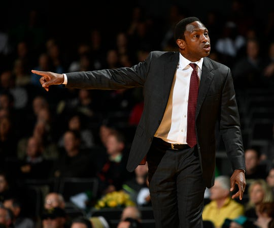 Alabama head coach Avery Johnson yells to his team during the first half against the Vanderbilt at Memorial Gym Saturday Feb. 9, 2019 in Nashville, Tenn.