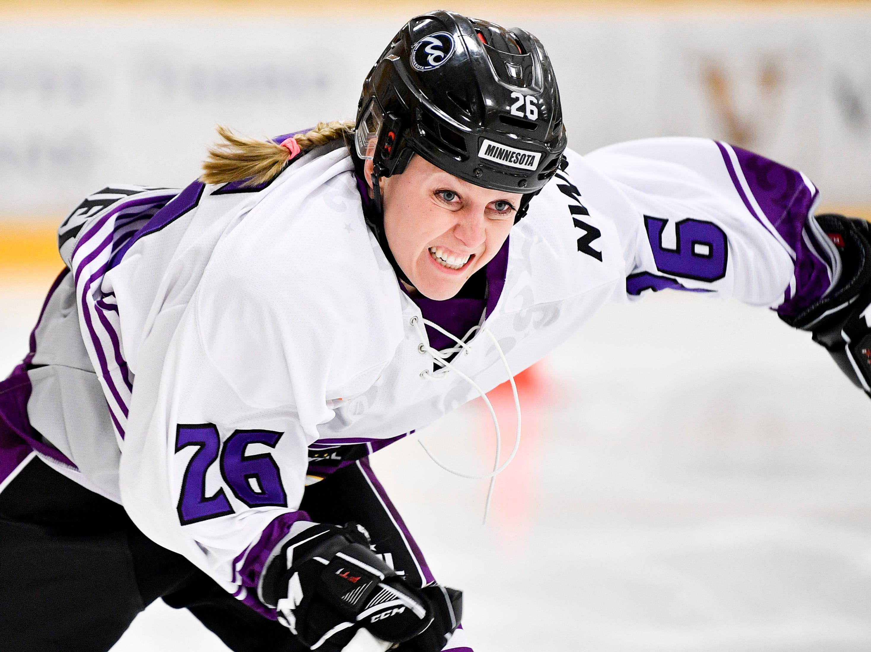 Hundreds of women's hockey players to sit out in North America, wait for unified league