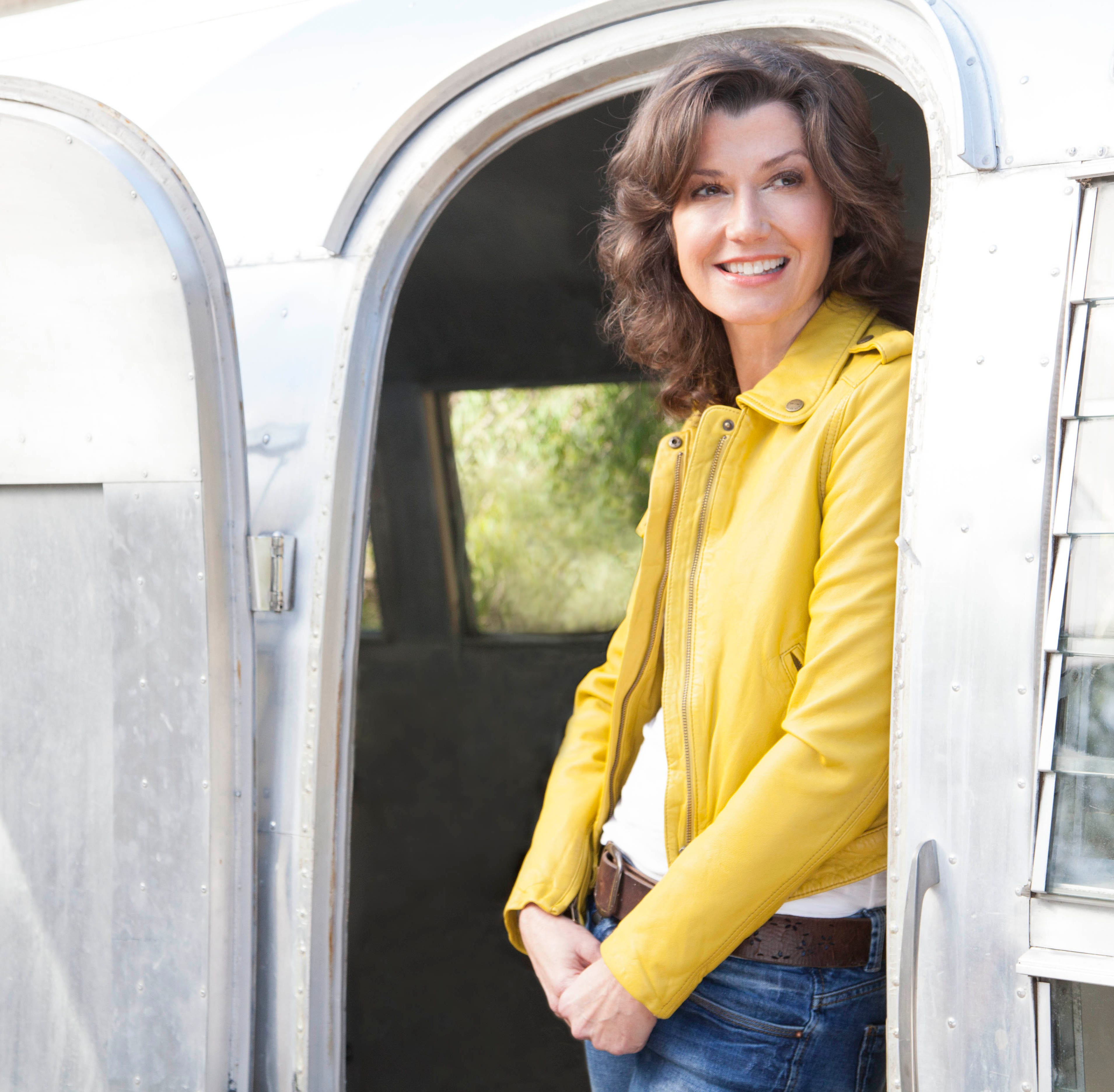 Grammy Award winner, Amy Grant, hits the road again
