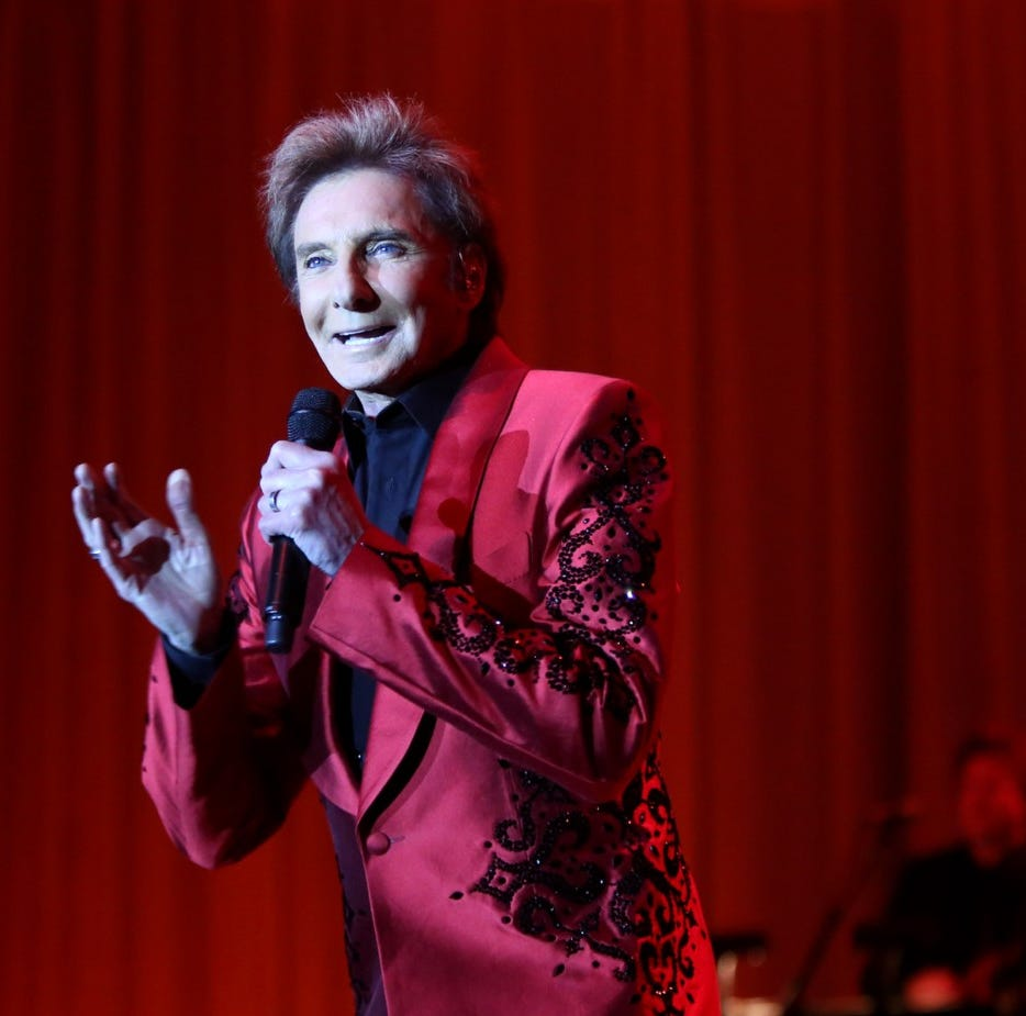 Barry Manilow and friends fete those who helped DAP make it through the rain