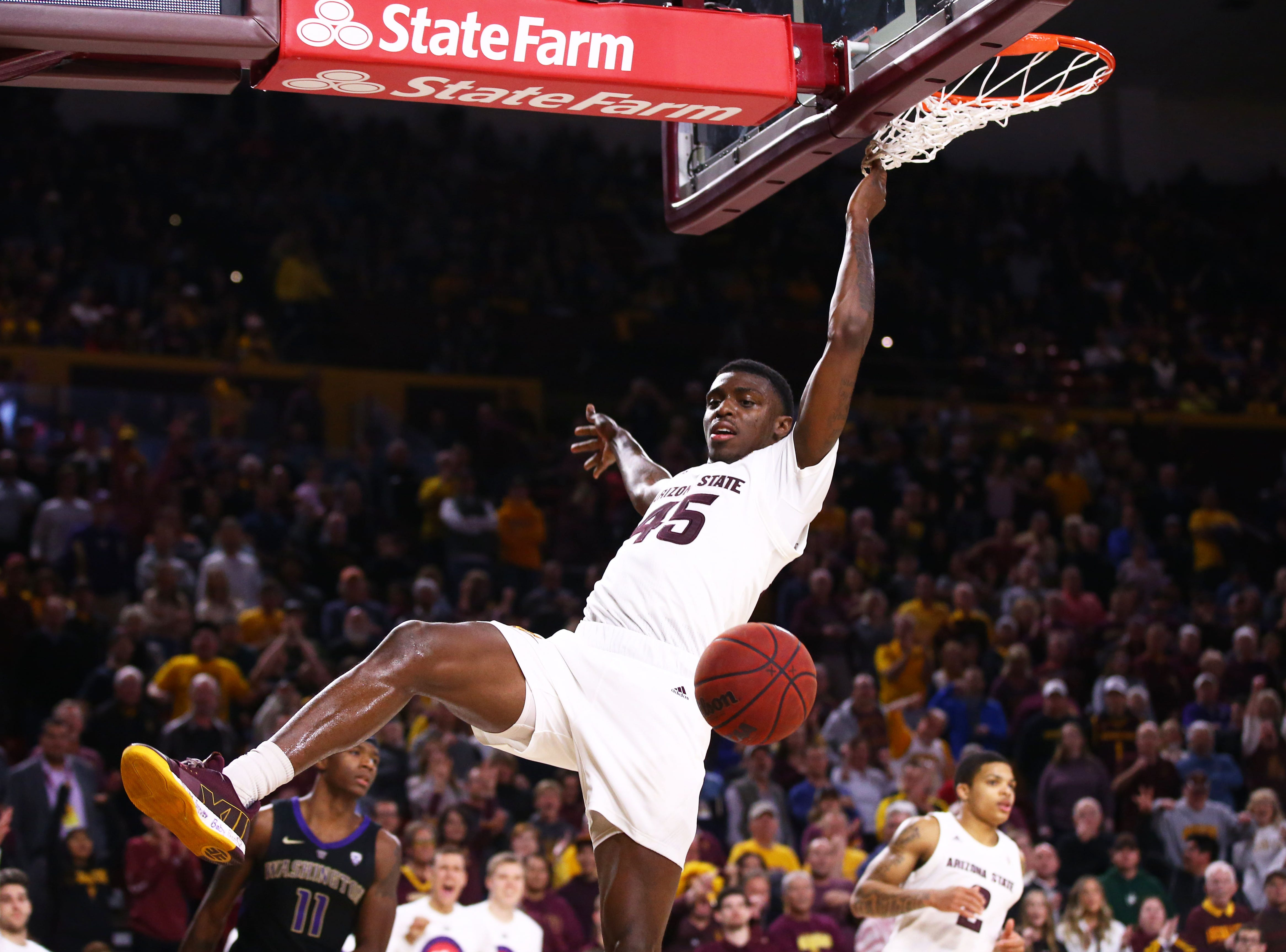 Arizona State Sun Devils forward Zylan Cheatham drives to the basket and dunks the ball against the Washington Huskies in the second half on Feb. 9 at Wells Fargo Arena in Tempe.