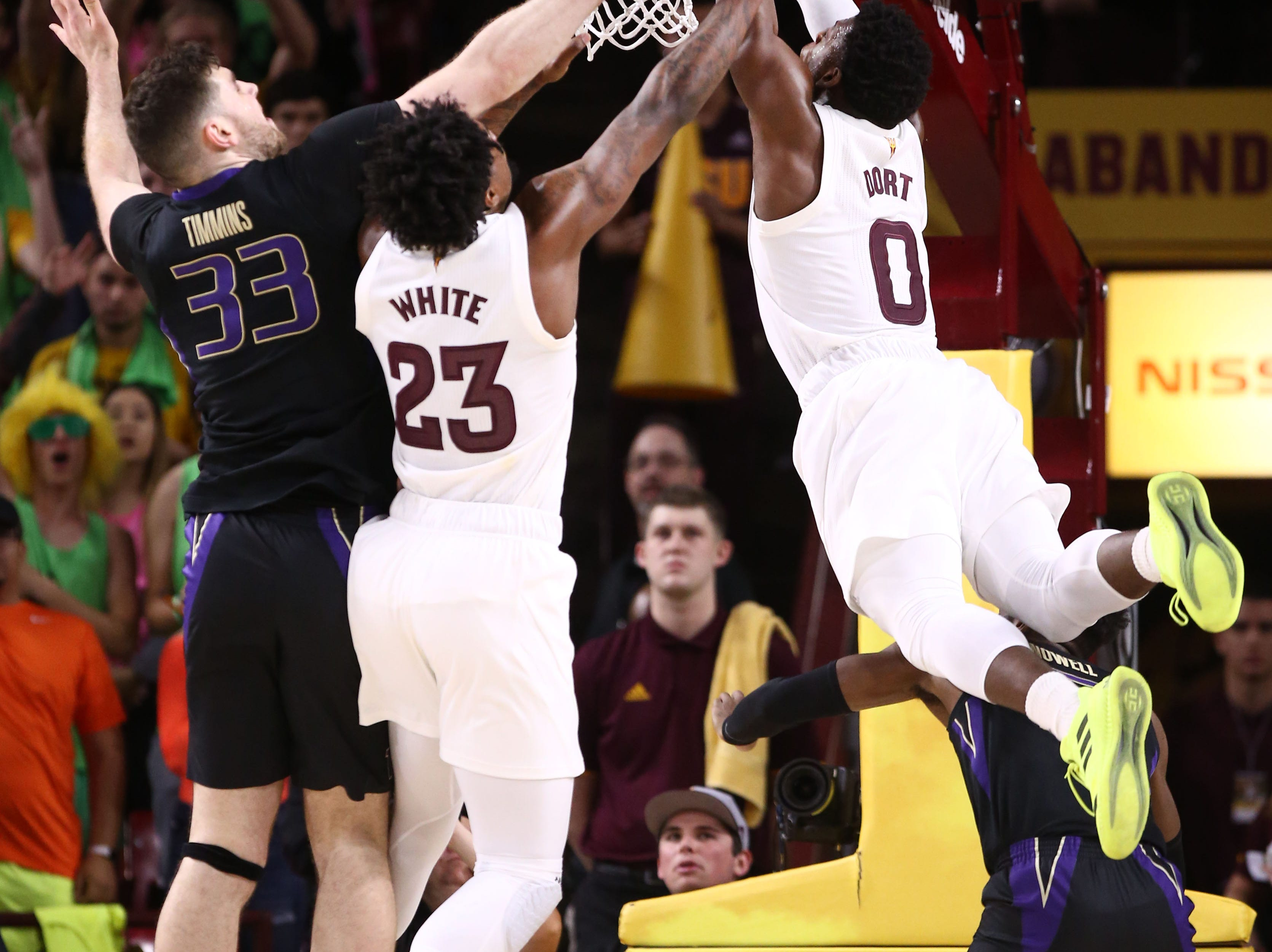 Arizona State Sun Devils guard Luguentz Dort (0) dunks the ball against the Washington Huskies in the first half on Feb. 9 at Wells Fargo Arena in Tempe.