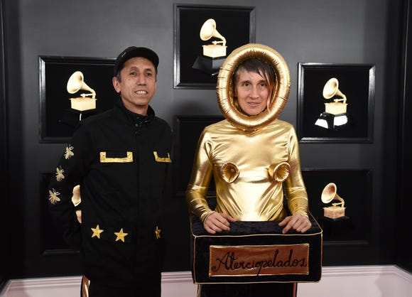 Hector Buitrago, left, and Andrea Echeverri, of Aterciopelados.