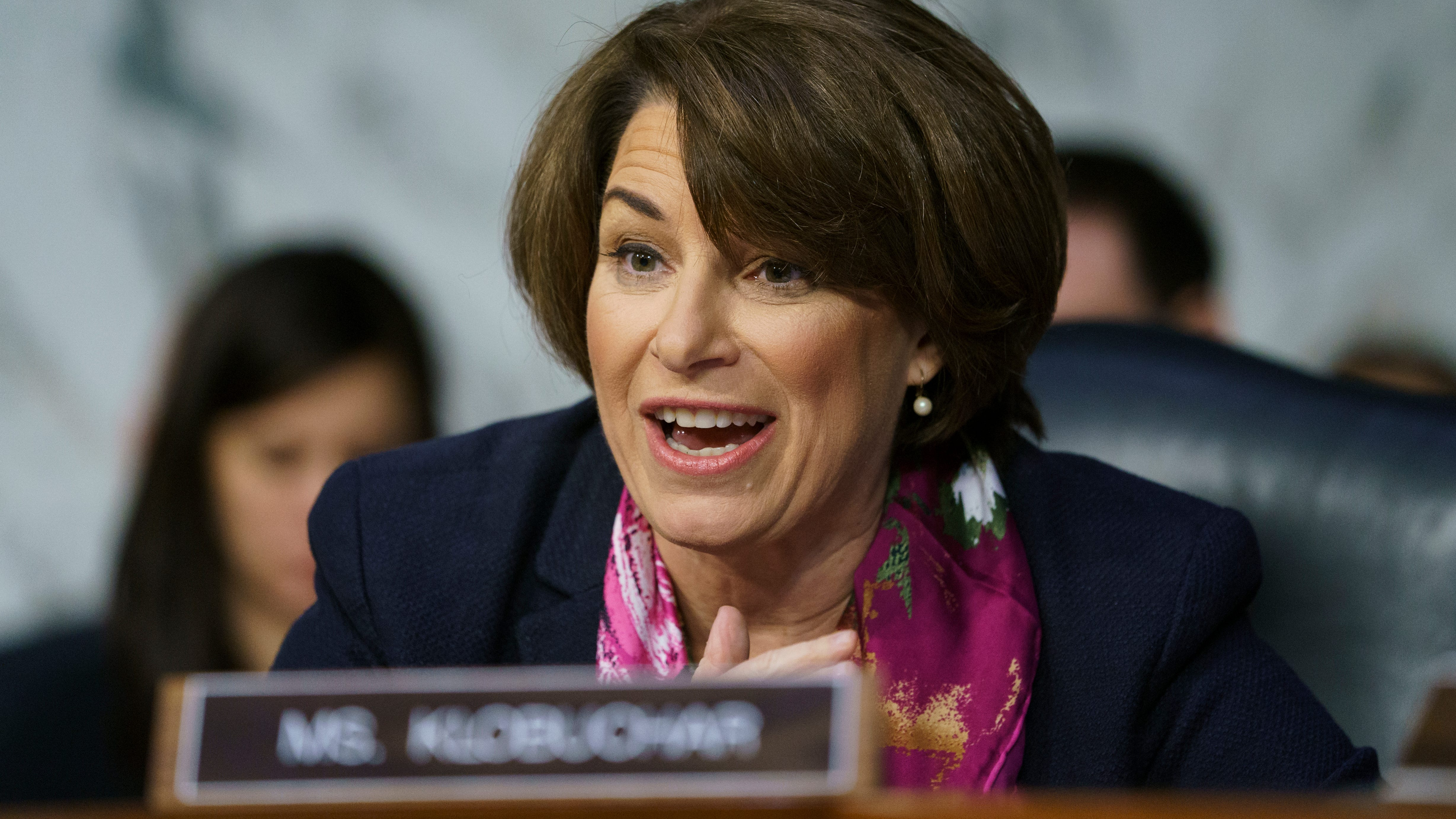 Amy Klobuchar heats up 2020 race with presidential campaign announcement on freezing Minneapolis afternoon