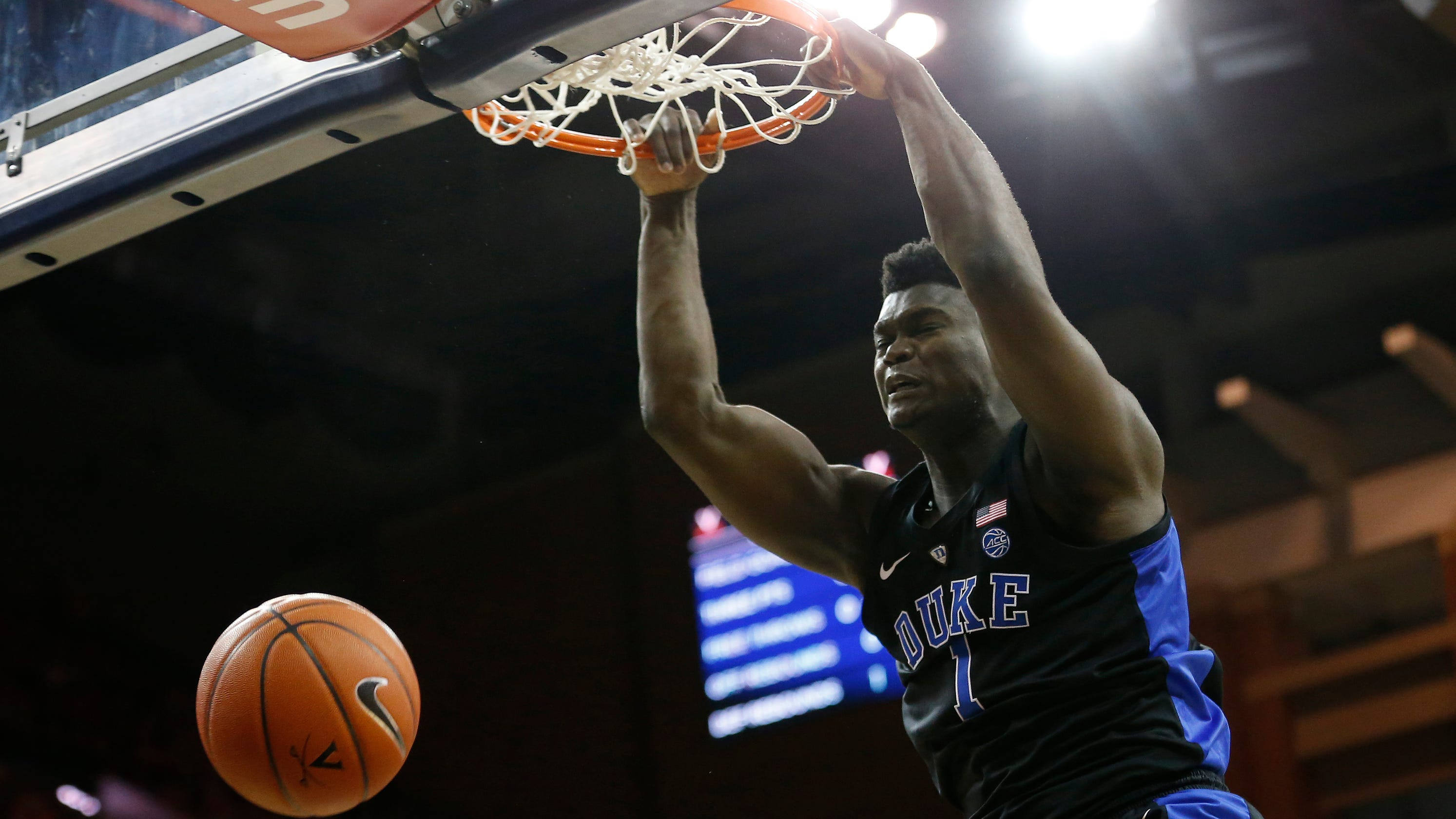 66fb5dd21fb LeBron James praises Zion Williamson s athleticism