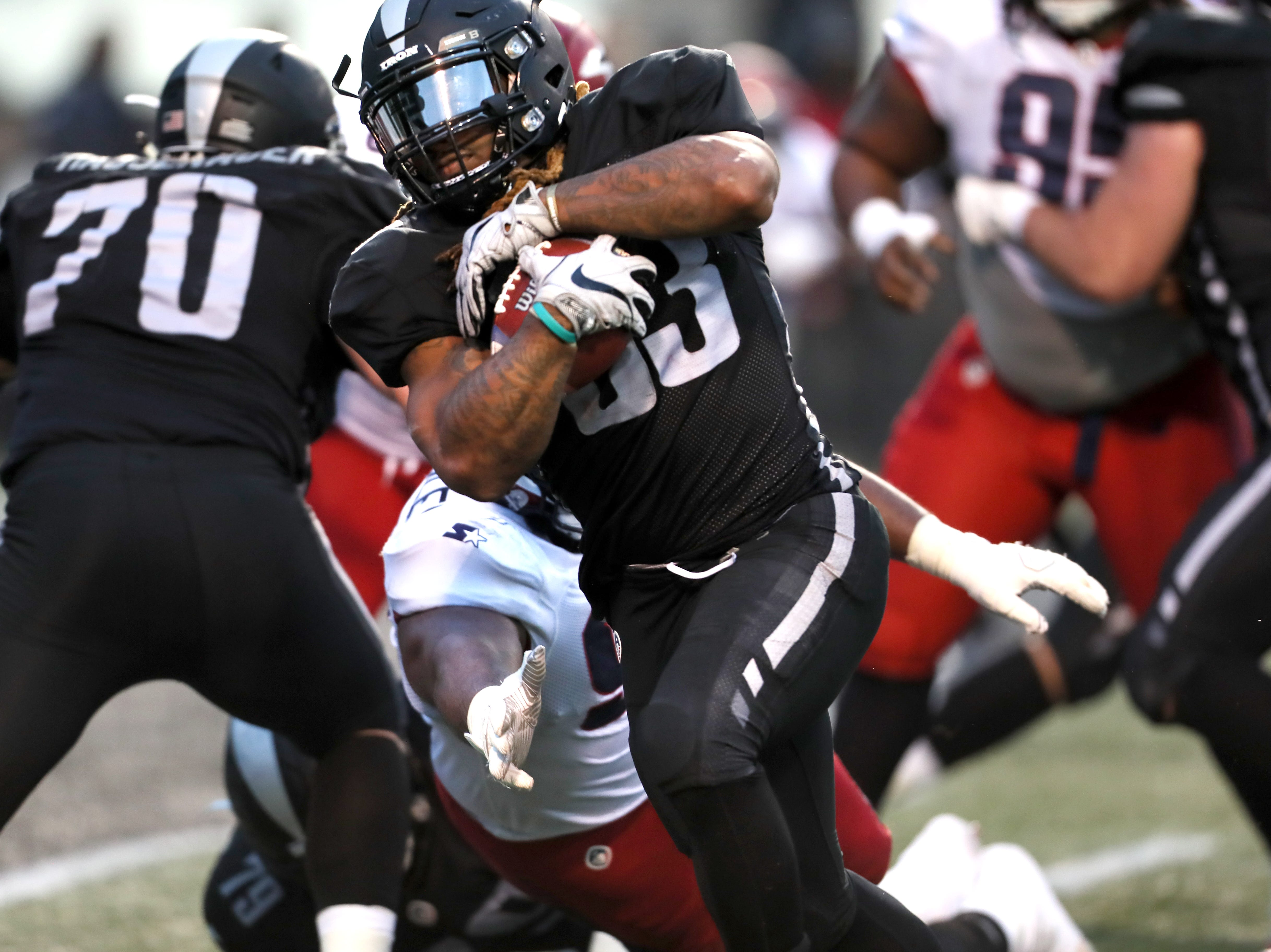Birmingham Iron running back Trent Richardson scores a touchdown against the Memphis Express  during their game at Legion Field in Birmingham, Ala. on Sunday, Feb. 10, 2019.