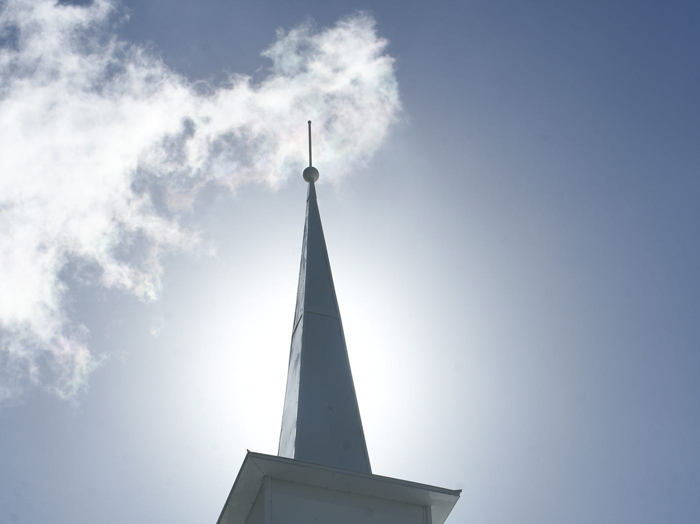 The newly dedicated steeple cost $30,000, paid for through donations from the congregation. United Church of Marco Island held a ceremony Sunday dedicating their newly erected steeple, which was damaged during Hurricane Irma.