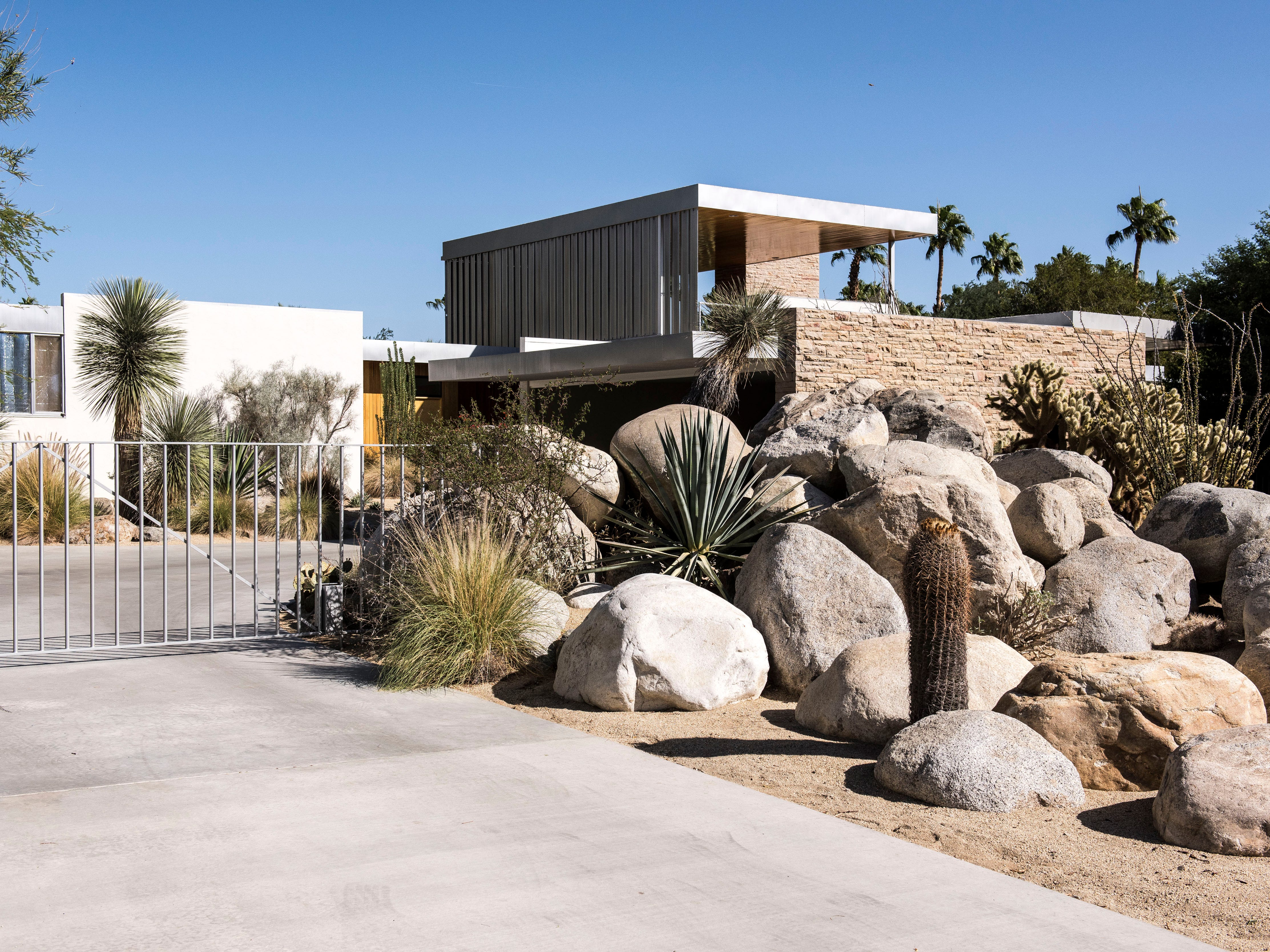 The Kaufmann House by Richard Neutra in Palm Springs