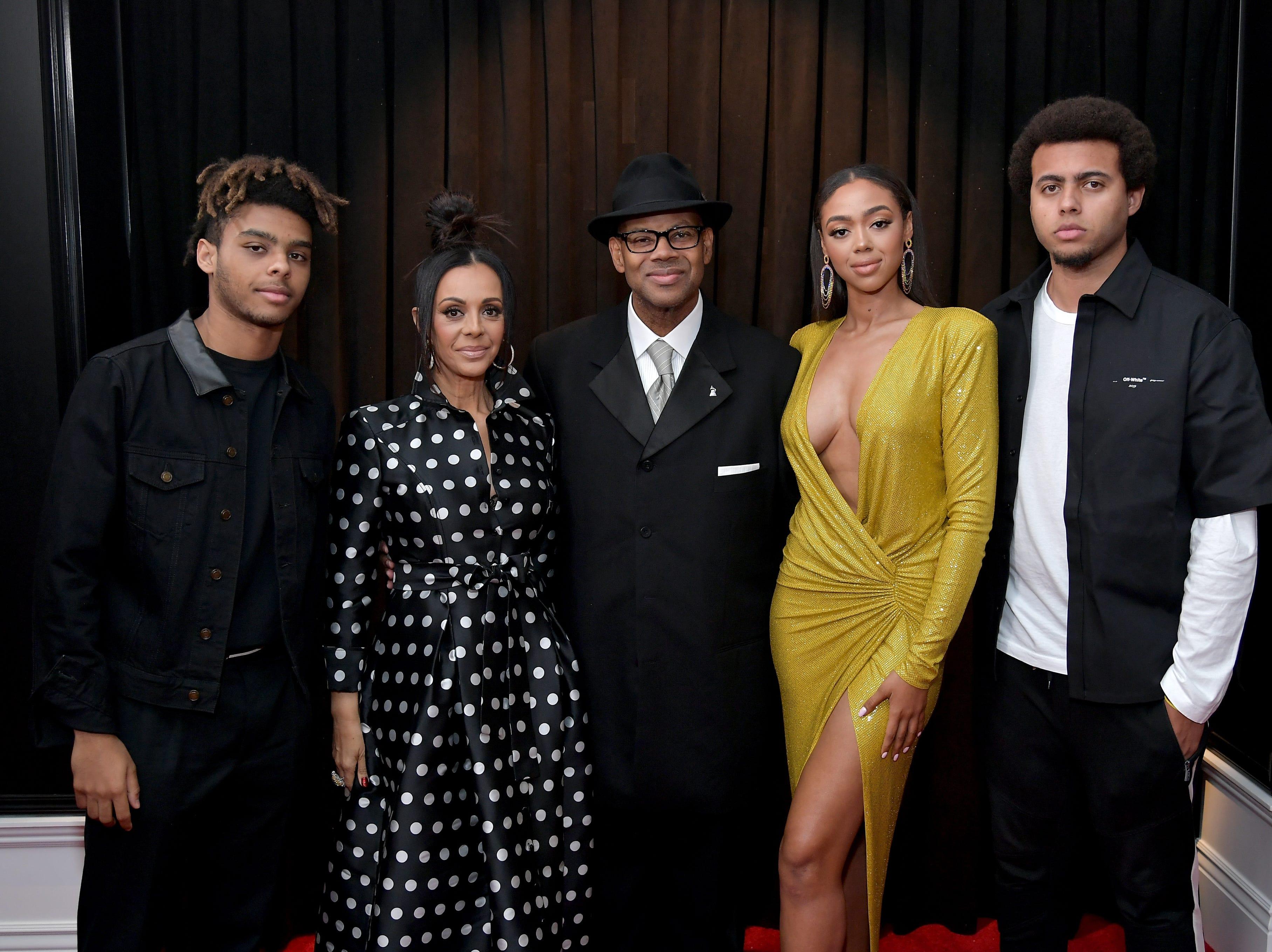 Max Harris, Lisa Padilla , Jimmy Jam, Bella Harris, y Tyler Harris asisten a la 61ª edición de los premios GRAMMY en el Staples Center el 10 de febrero de 2019 en Los Ángeles, California.