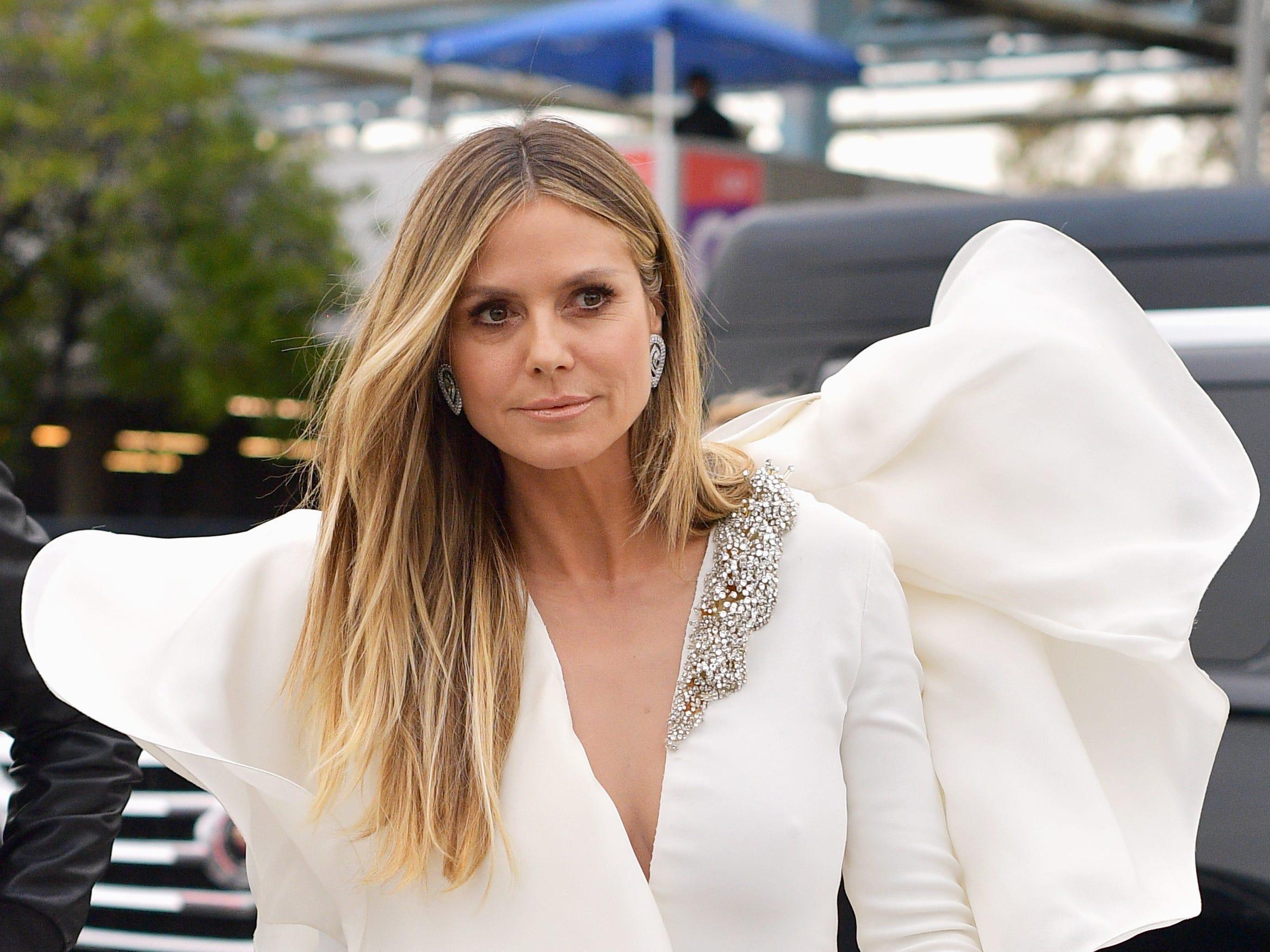 Heidi Klum asiste a la 61ª edición de los premios GRAMMY en el Staples Center el 10 de febrero de 2019 en Los Ángeles, California.
