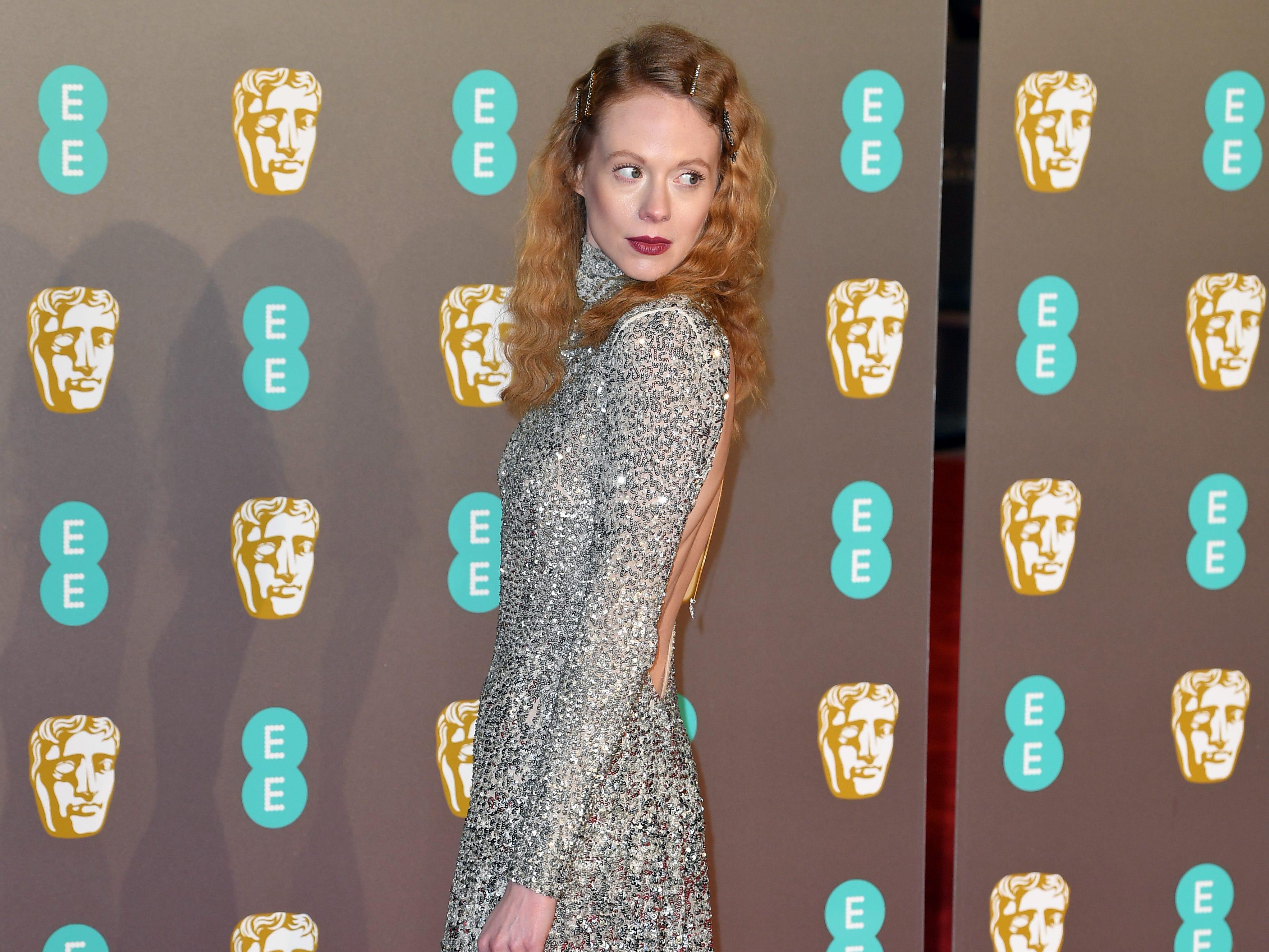 Zoe Boyle a su llegada a la alfombra roja de los Premios de la Academia Británica de Cine BAFTA en el Royal Albert Hall en Londres el 10 de febrero de 2019.