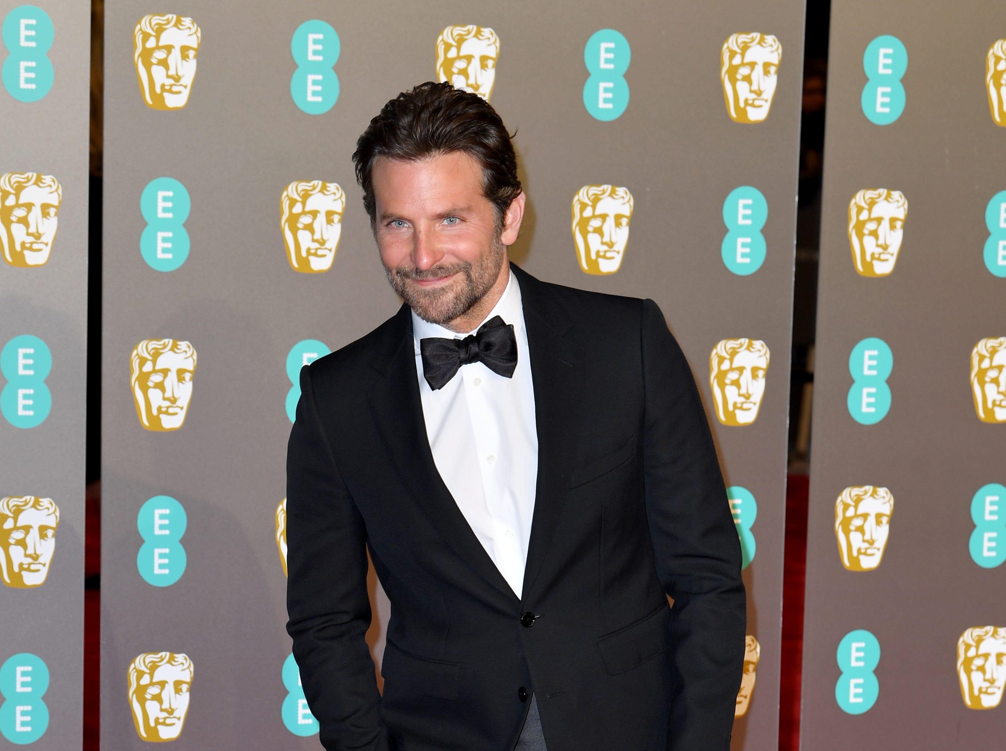 Bradley Cooper a su llegada a la alfombra roja de los Premios de la Academia Británica de Cine BAFTA en el Royal Albert Hall en Londres el 10 de febrero de 2019.