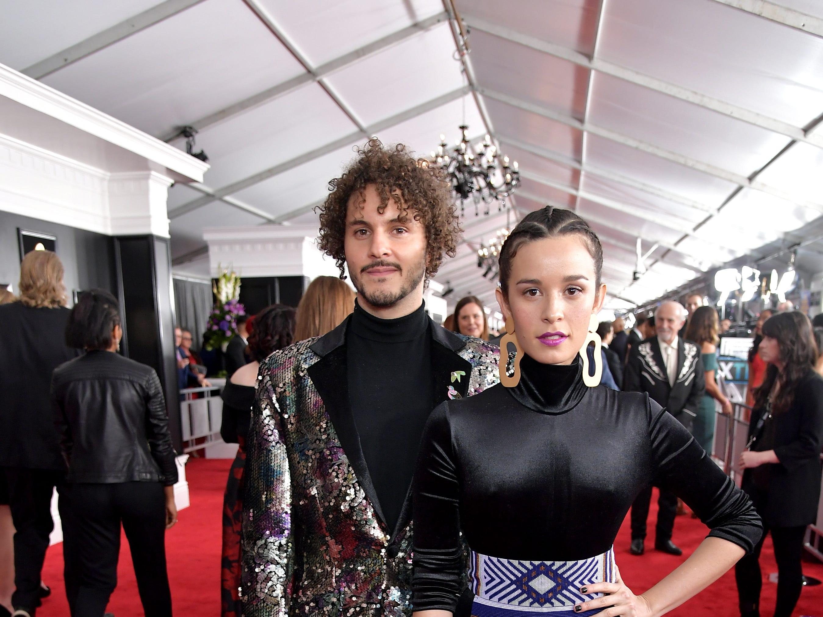 Santiago Prieto (izq) y Catalina García de Monsieur Periná asisten a la 61ª edición de los premios GRAMMY en el Staples Center el 10 de febrero de 2019 en Los Ángeles, California.