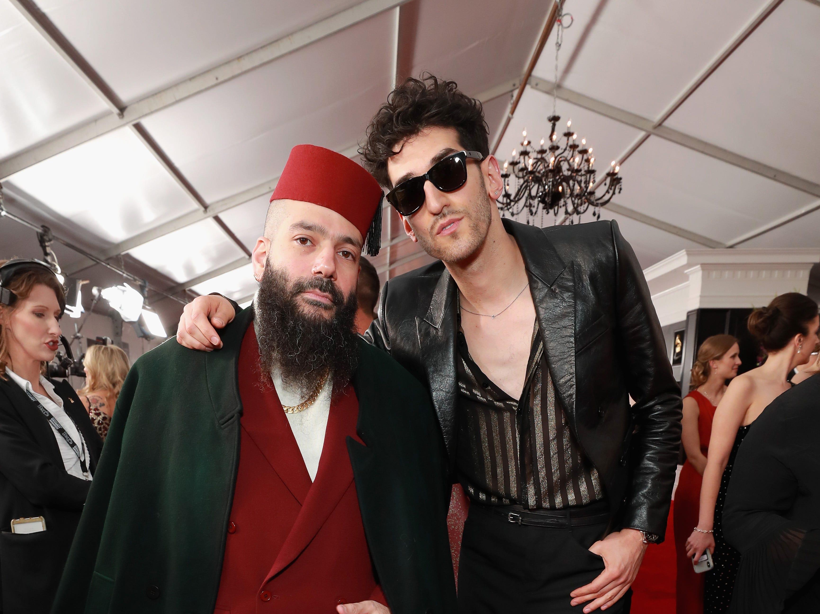 Patrick Gemayel y David Macklovitch de Chromeo asisten a la 61ª edición de los premios GRAMMY en el Staples Center el 10 de febrero de 2019 en Los Ángeles, California.