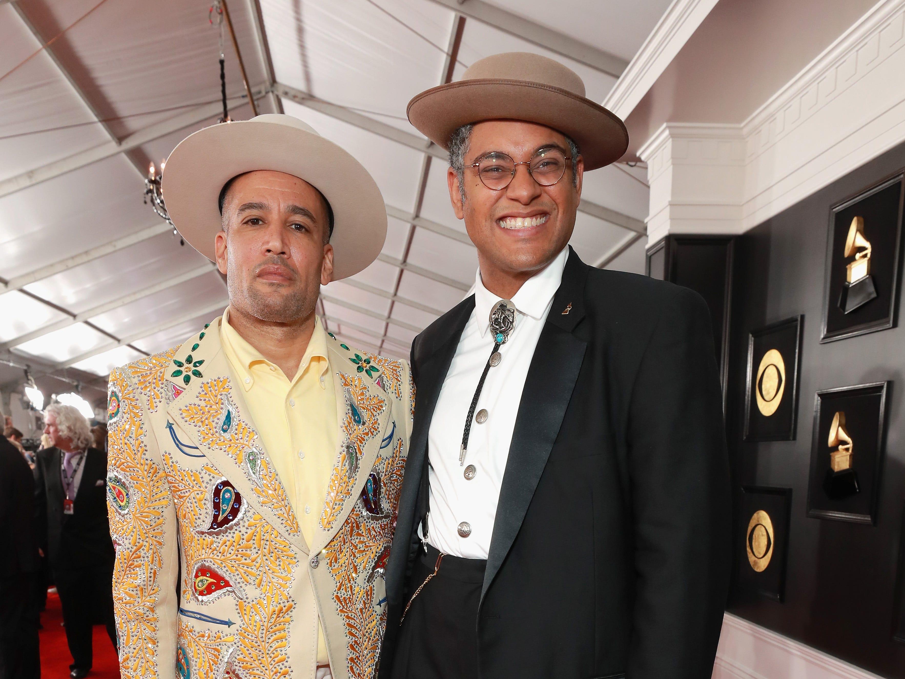 Ben Harper y un invitado asisten a la 61ª edición de los premios GRAMMY en el Staples Center el 10 de febrero de 2019 en Los Ángeles, California.