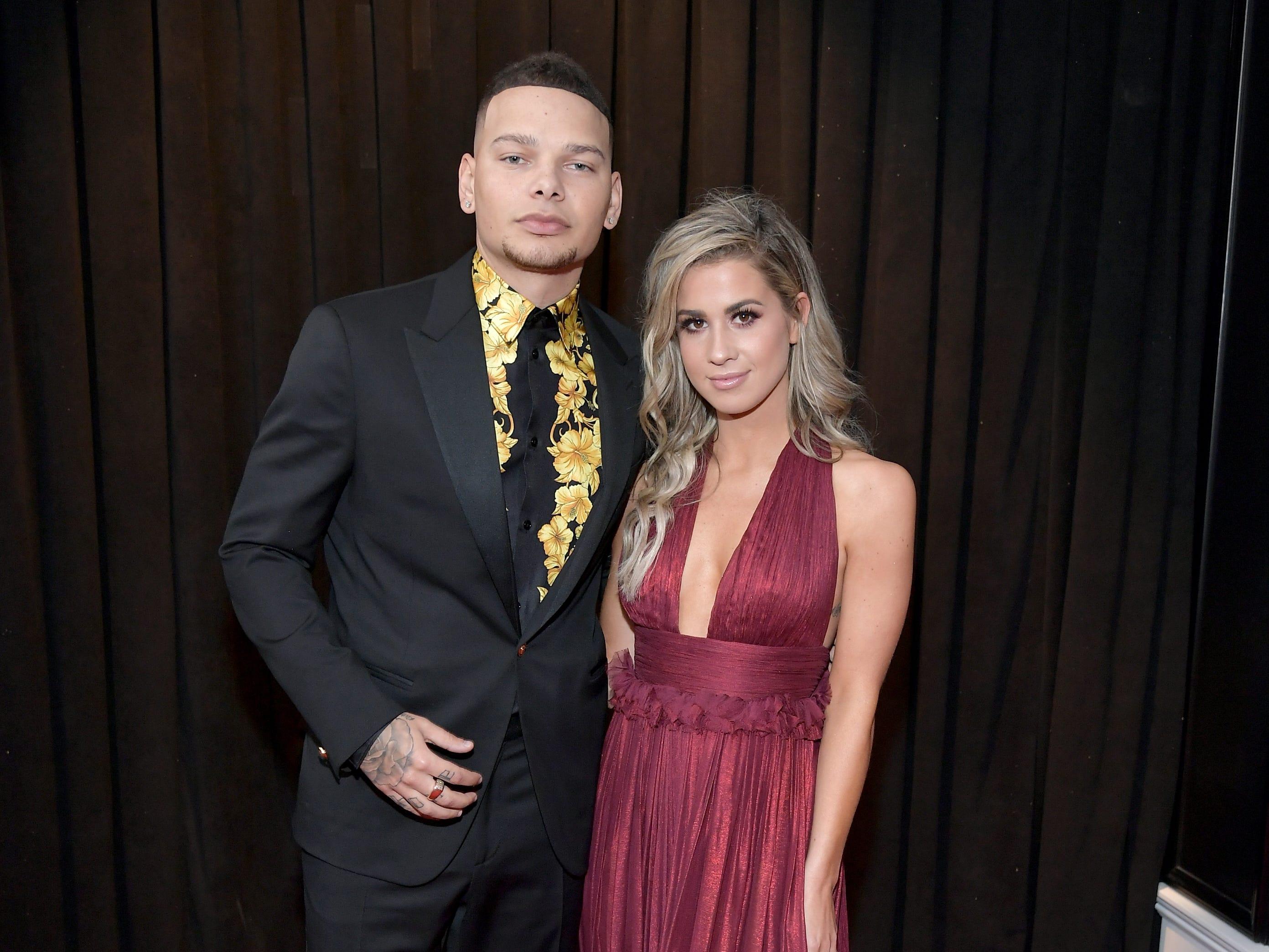 Kane Brown y Katelyn Jae asisten a la 61ª edición de los premios GRAMMY en el Staples Center el 10 de febrero de 2019 en Los Ángeles, California.