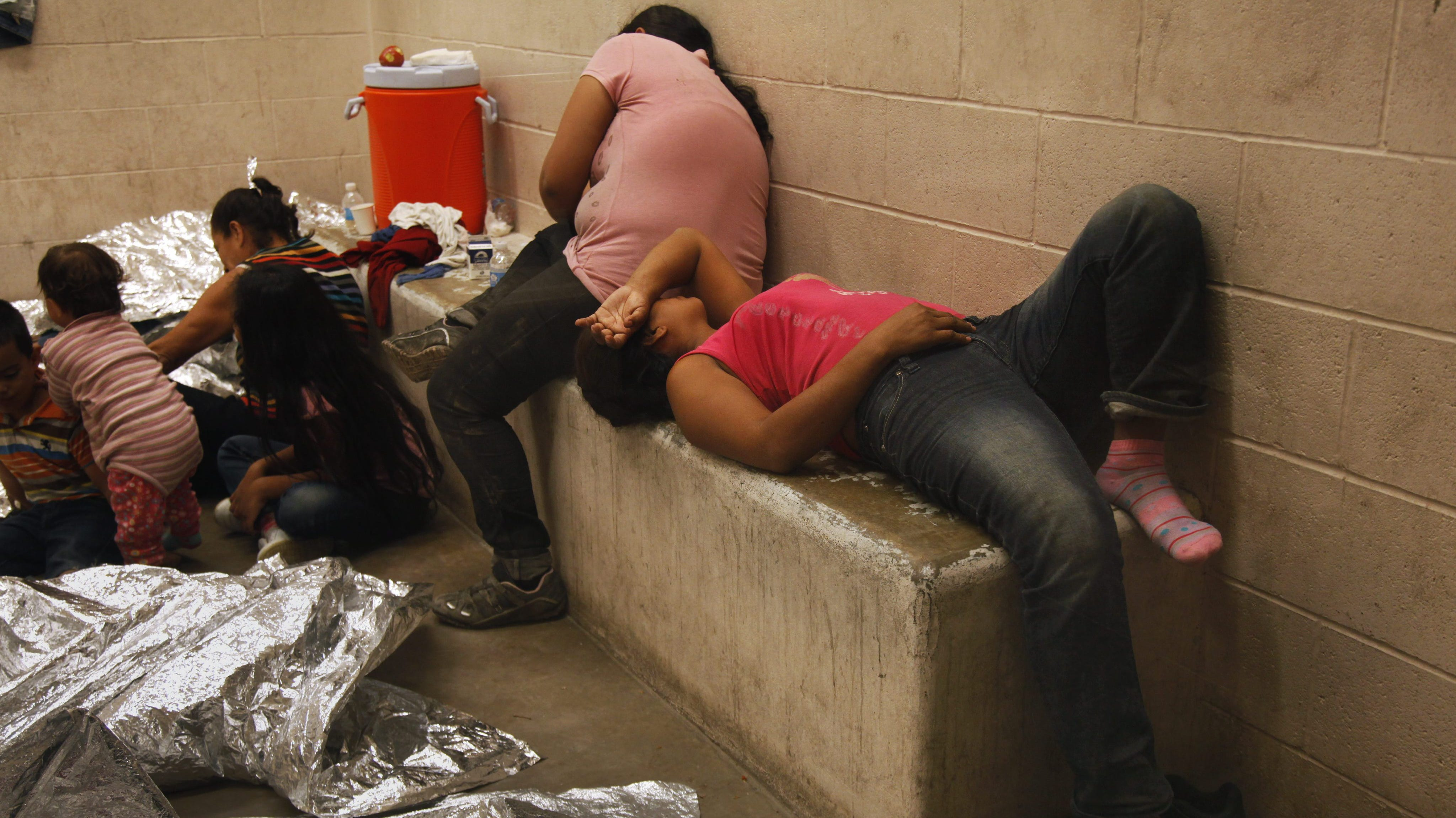 Solicitantes de asilo en EEUU no podrán salir bajo fianza