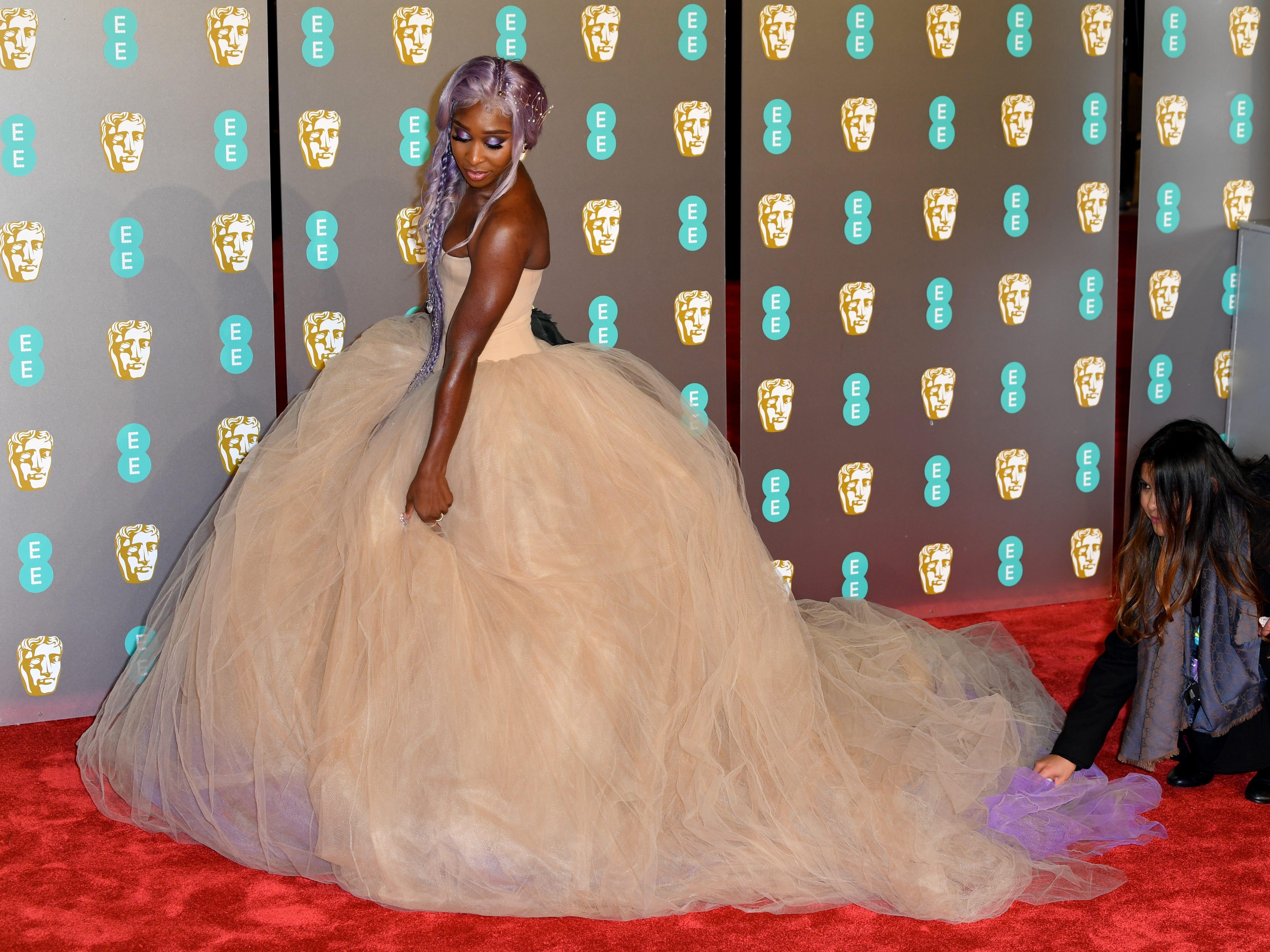 Cynthia Erivo a su llegada a la alfombra roja de los Premios de la Academia Británica de Cine BAFTA en el Royal Albert Hall en Londres el 10 de febrero de 2019.