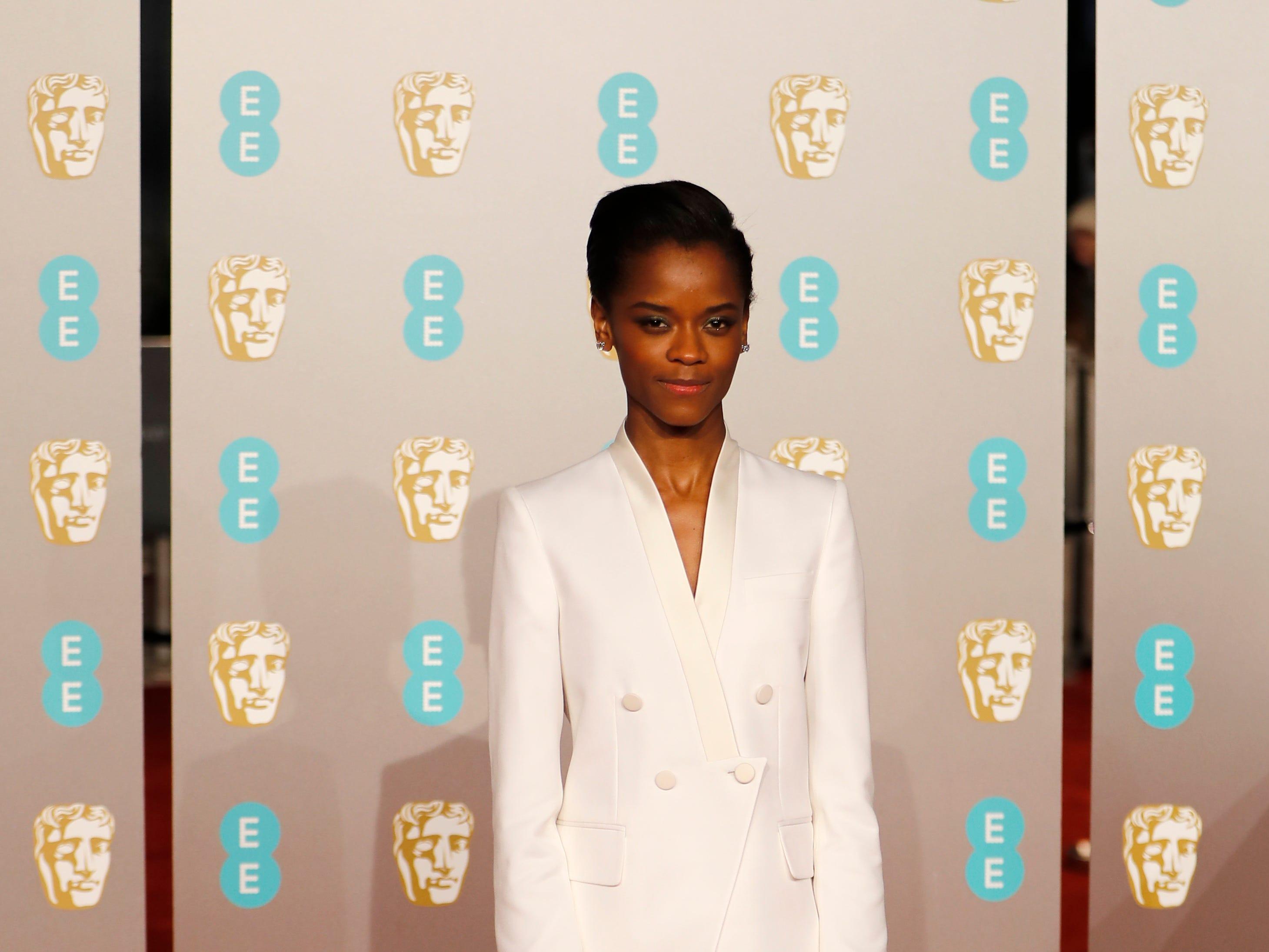 Letitia Wright a su llegada a la alfombra roja de los Premios de la Academia Británica de Cine BAFTA en el Royal Albert Hall en Londres el 10 de febrero de 2019.