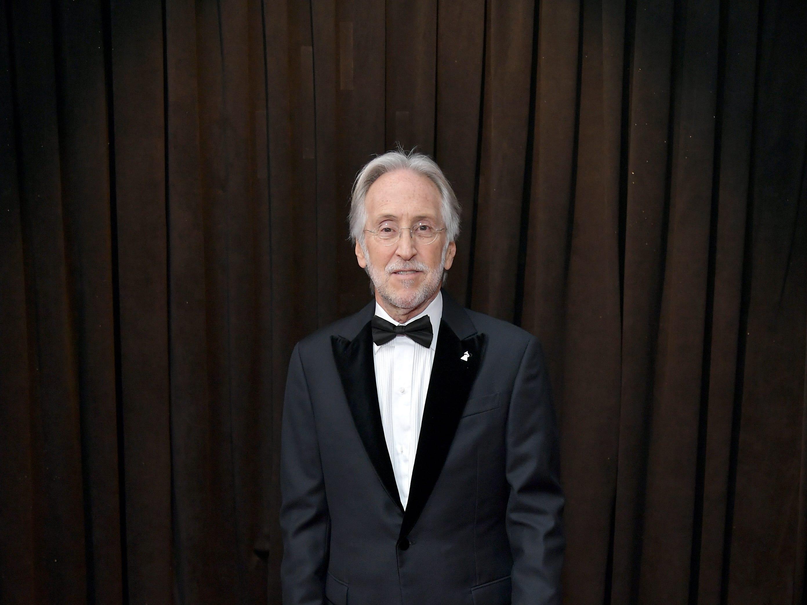 El presidente y CEO de The Recording Academy Neil Portnow  asisten\ a la 61ª edición de los premios GRAMMY en el Staples Center el 10 de febrero de 2019 en Los Ángeles, California.
