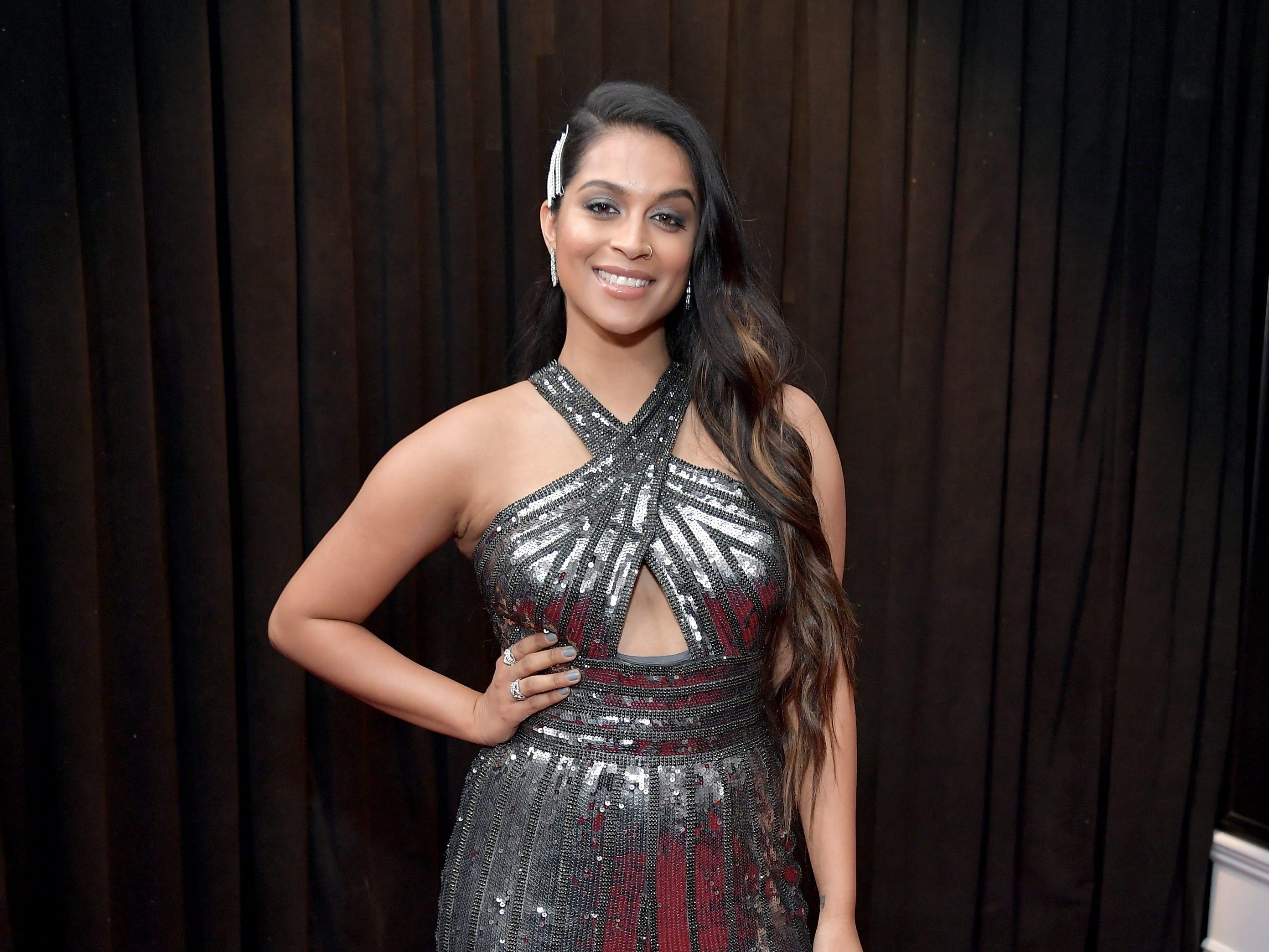 Lilly Singh asiste a la 61ª edición de los premios GRAMMY en el Staples Center el 10 de febrero de 2019 en Los Ángeles, California.