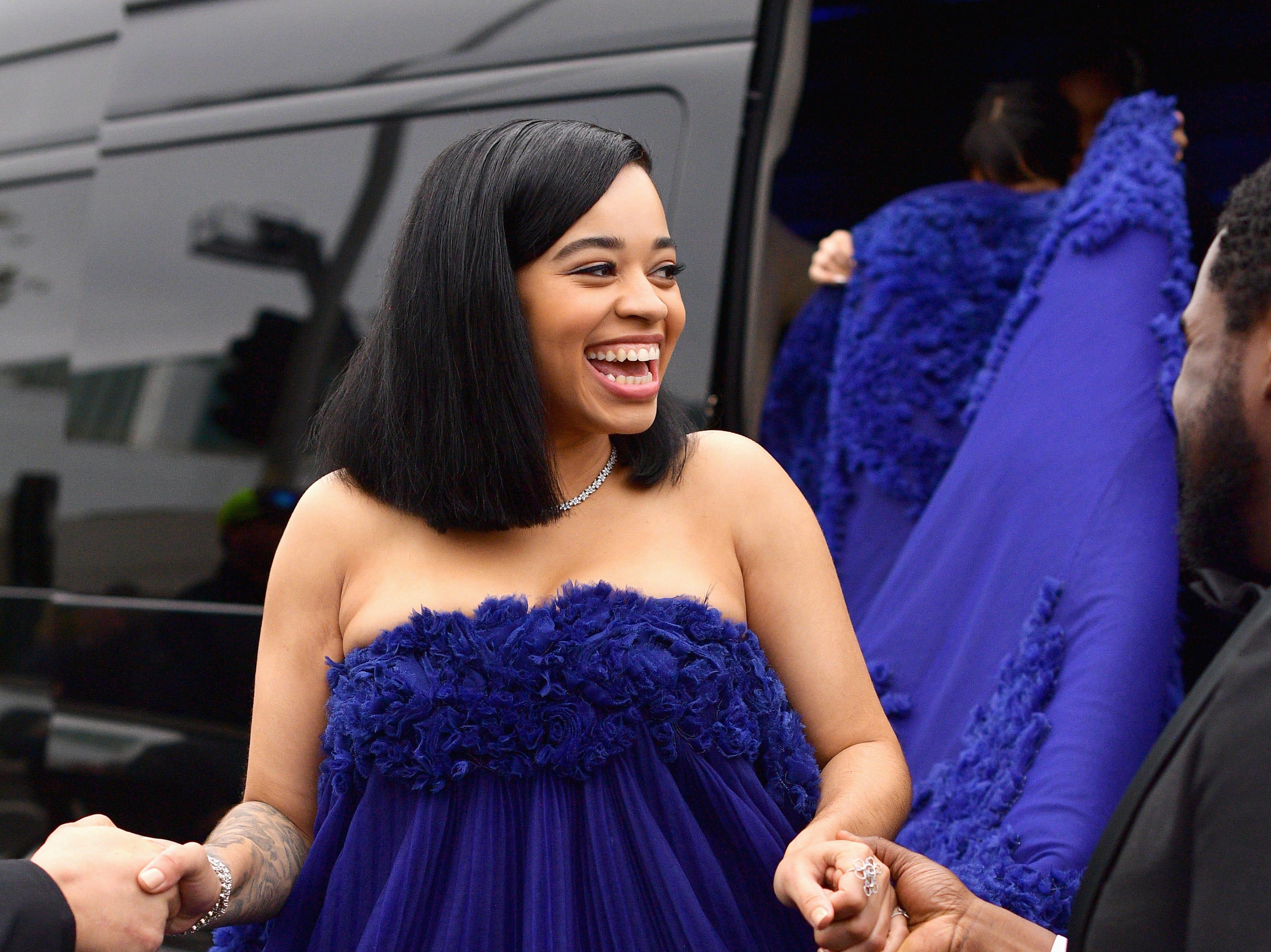 Ella Mai asiste a la 61ª edición de los premios GRAMMY en el Staples Center el 10 de febrero de 2019 en Los Ángeles, California.